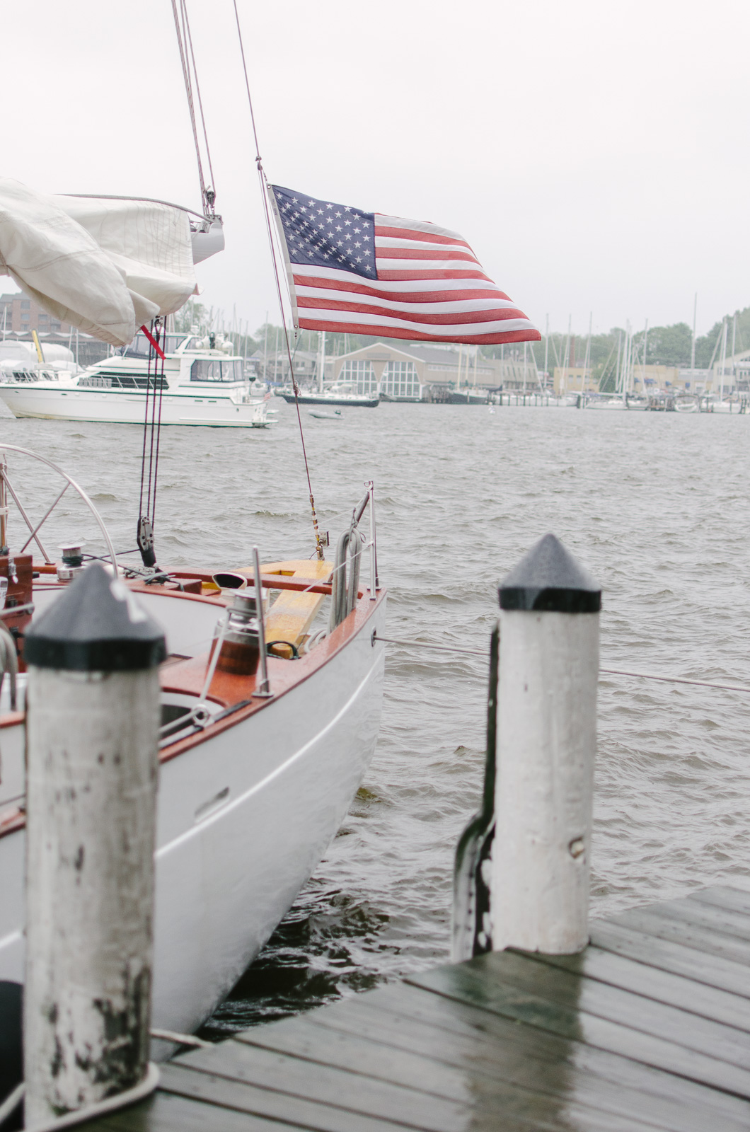 Schooner Woodwind Annapolis Maryland | Don't miss the full Annapolis Weekend Guide: where to eat, what to do, and where to stay! | bylaurenm.com