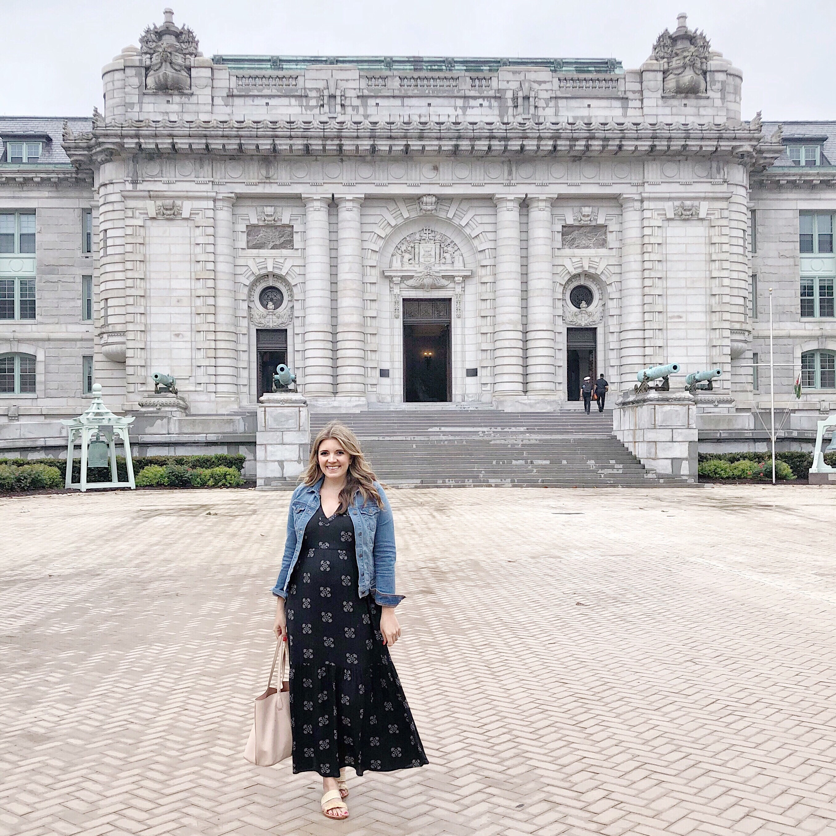 US Naval Academy Bancroft Hall | Don't miss the full Annapolis Weekend Guide: where to eat, what to do, and where to stay! | bylaurenm.com