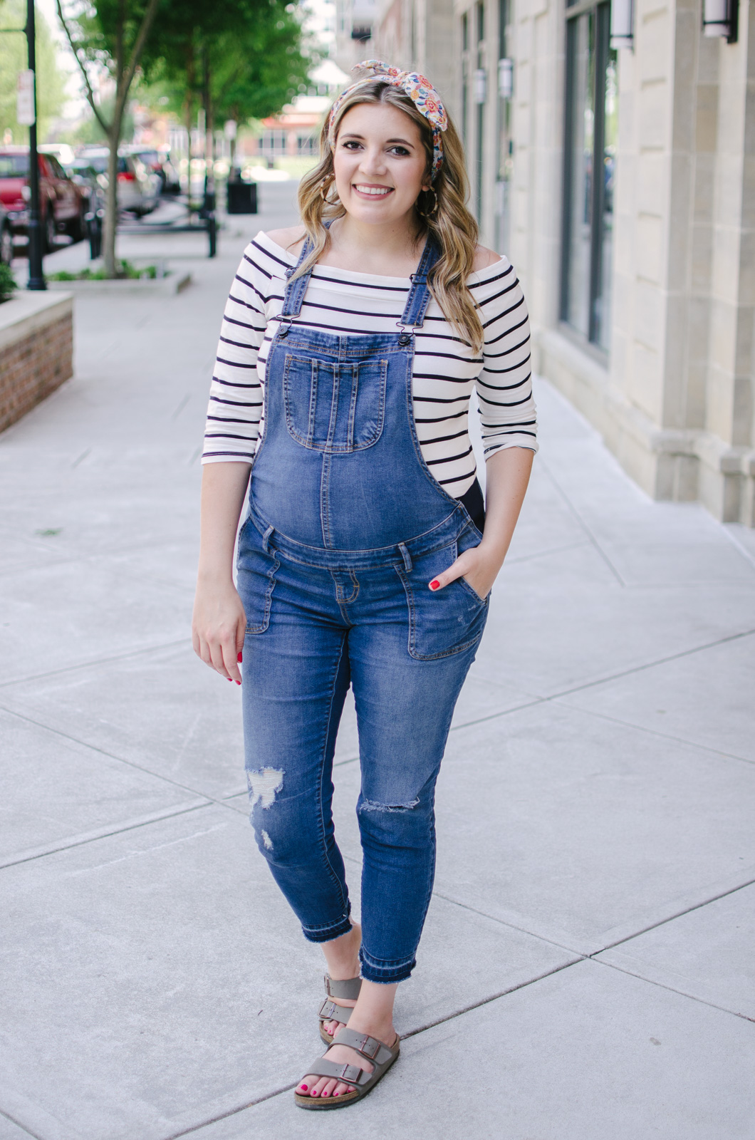 maternity overalls outfit - pregnancy overalls outfit idea | bylaurenm.com
