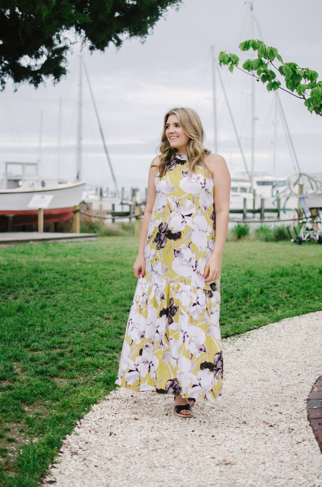 summer pregnancy style: floral maxi dress - the perfect non-maternity maxi dress for summer | bylaurenm.com
