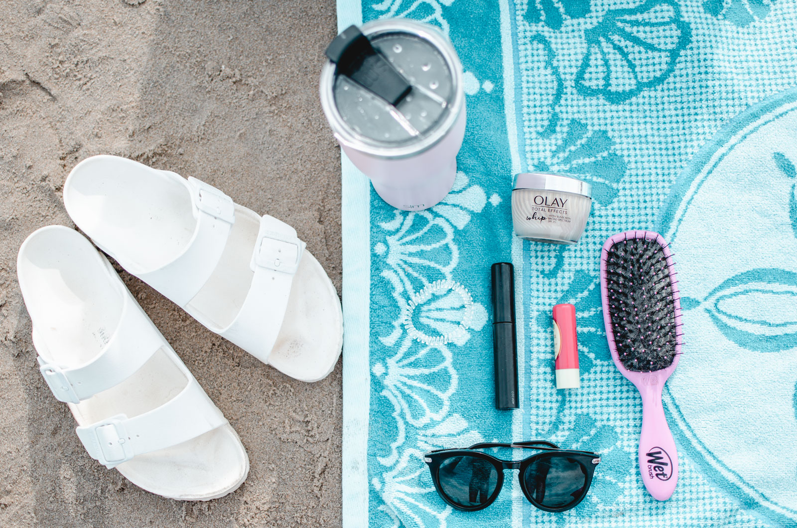 beach beauty essentials - the beauty products I love for a day in the sun! | bylaurenm.com