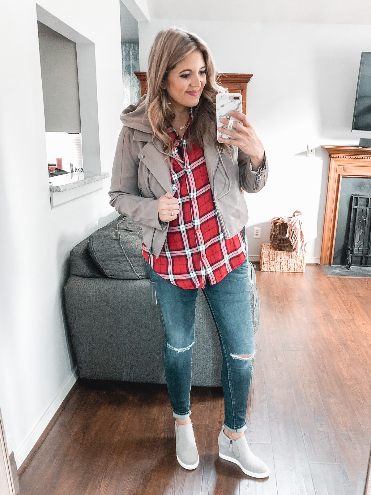 casual plaid top outfits moms - Need plaid top outfit ideas? I'm sharing one $31 plaid top styled 15 different ways on bylaurenm.com!