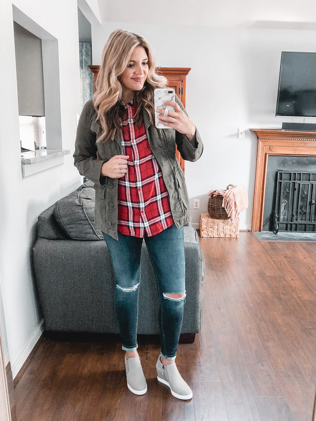 different ways to wear a plaid top - Need plaid top outfit ideas? I'm sharing one $31 plaid top styled 15 different ways on bylaurenm.com!