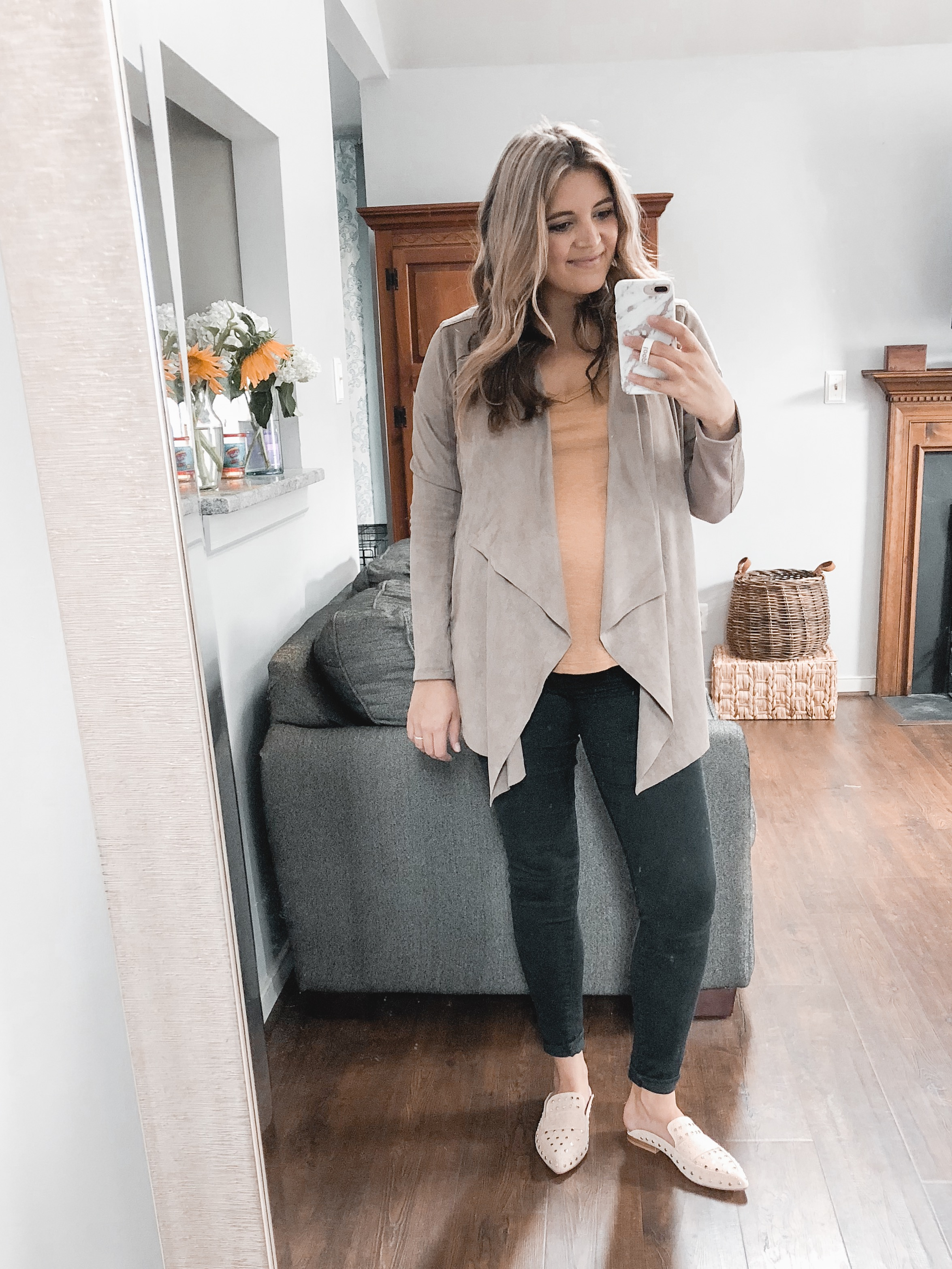 cute fall pregnancy outfits - casual fall pregnancy outfit | bylaurenm.com