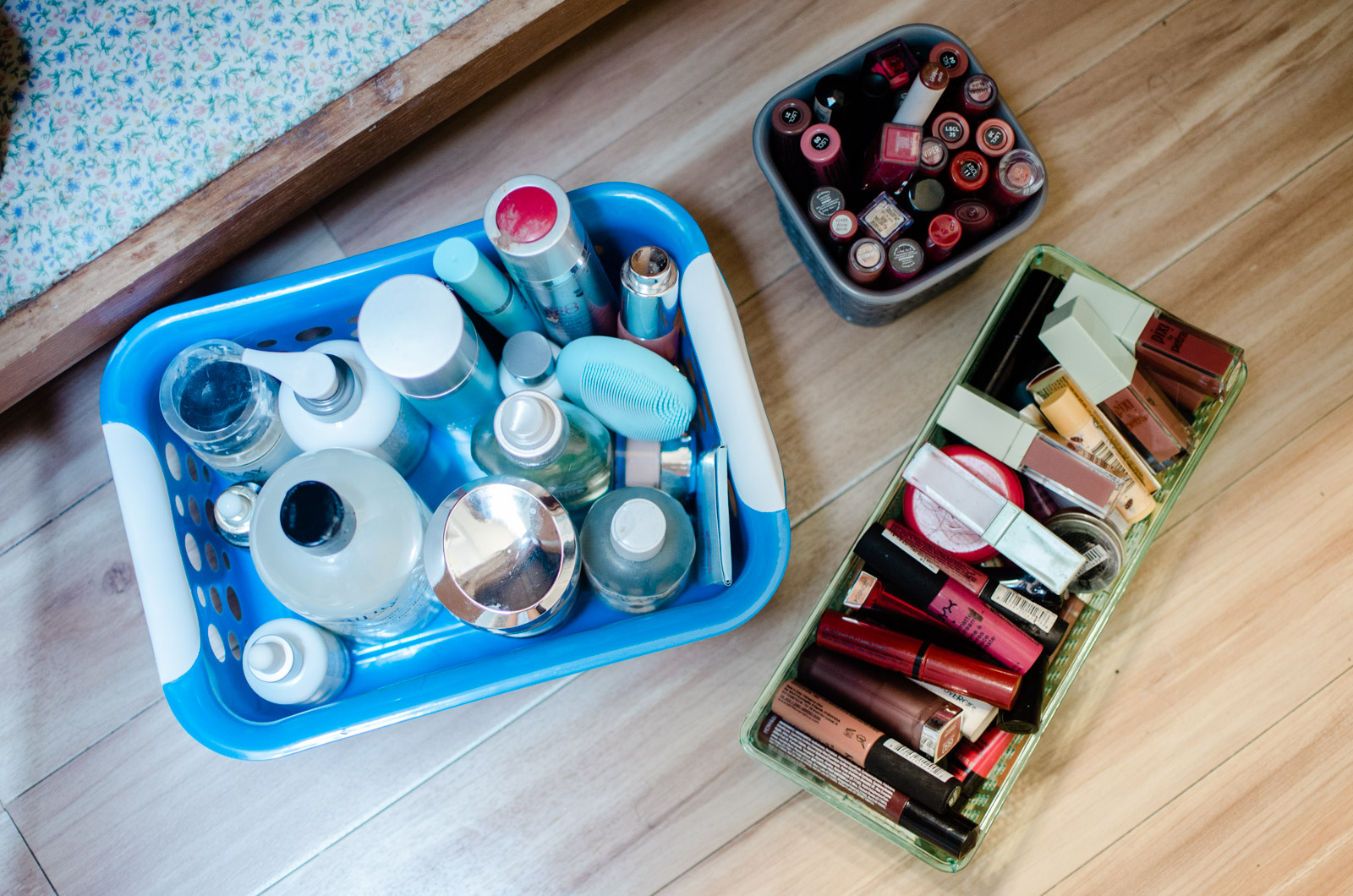 diy under the bathroom sink organization - how to organize the bathroom | bylaurenm.com