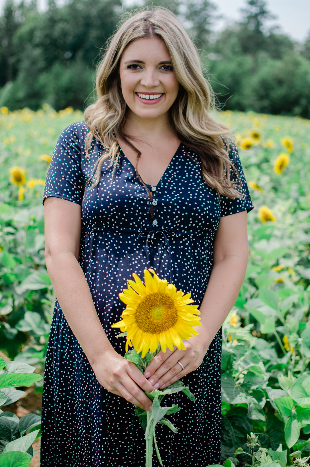 maternity sunflower photos - summer maternity photo session 36 weeks pregnancy | bylaurenm.com