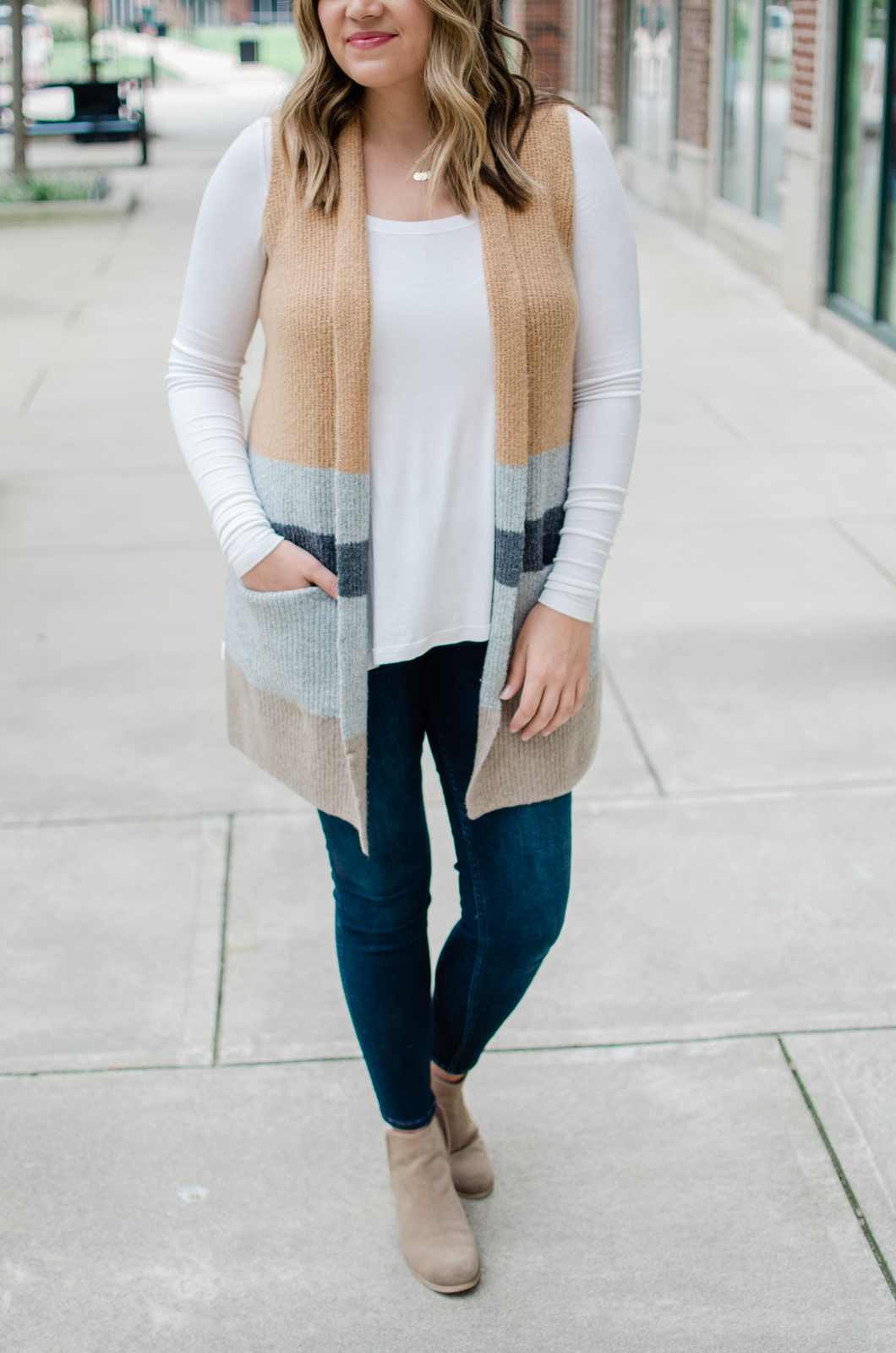 cute fall sweater vest outfit - how to wear an open sweater vest outfit for fall! | bylaurenm.com