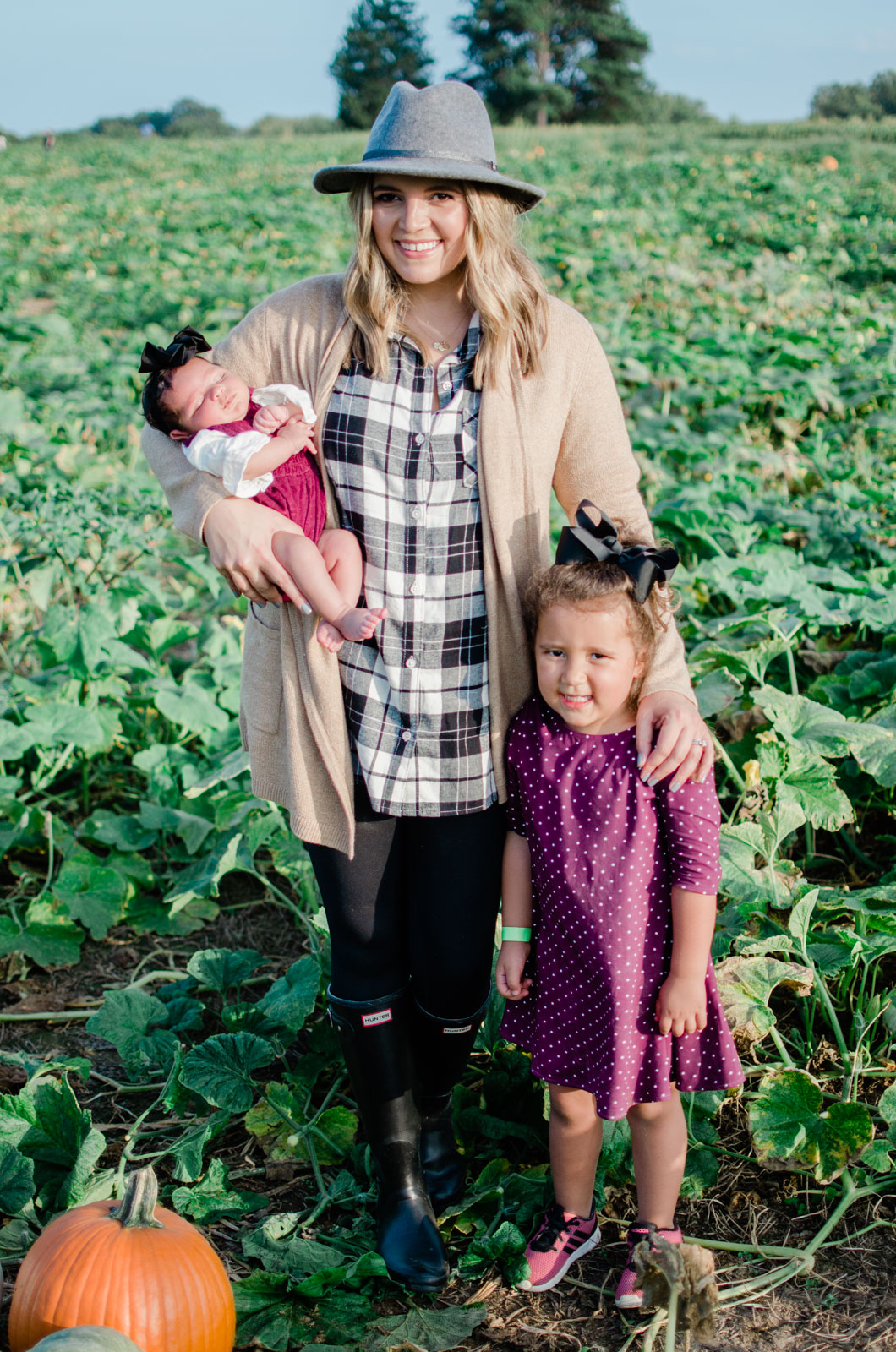 family pumpkin patch outfits - fall coordinating family outfits | bylaurenm.com