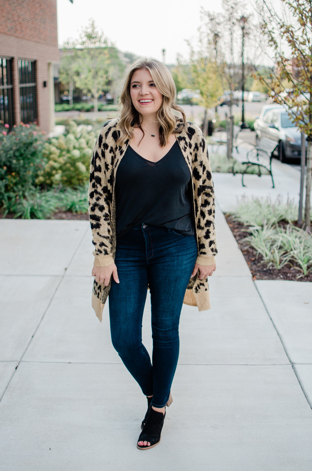 12028c26f74 fall casual outfit - leopard cardigan fall outfit