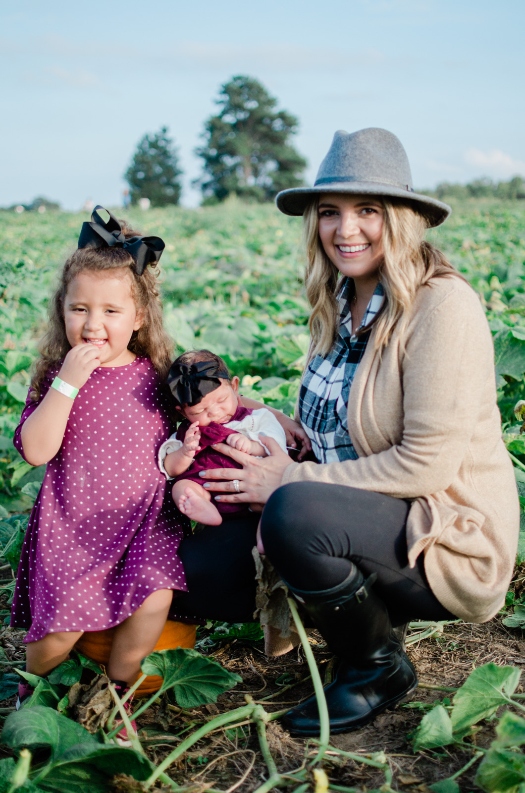 fall family pumpkin patch outfits - coordinating fall family outfits | bylaurenm.com