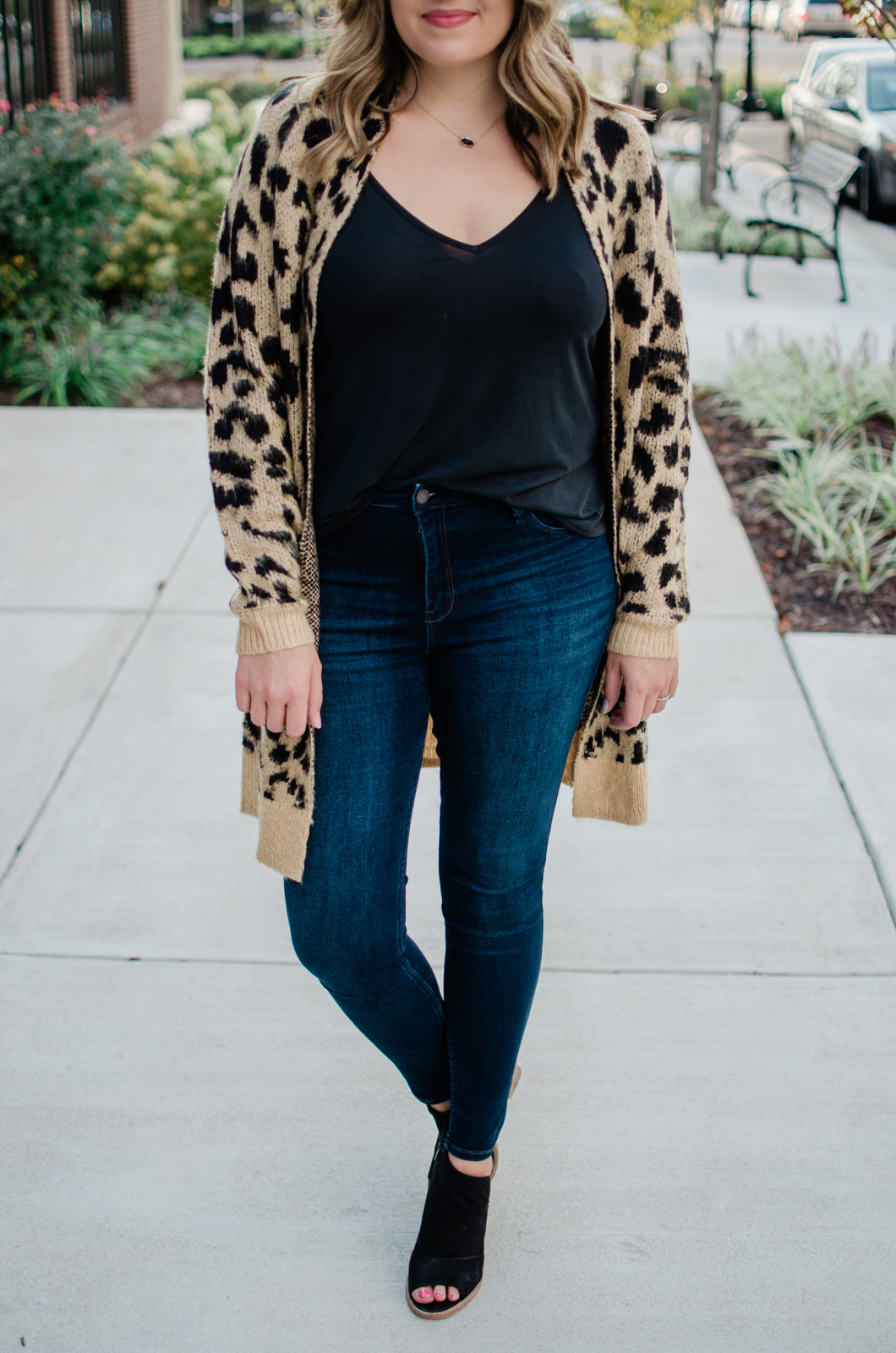 fall casual outfit - long leopard print cardigan outfit | bylaurenm.com