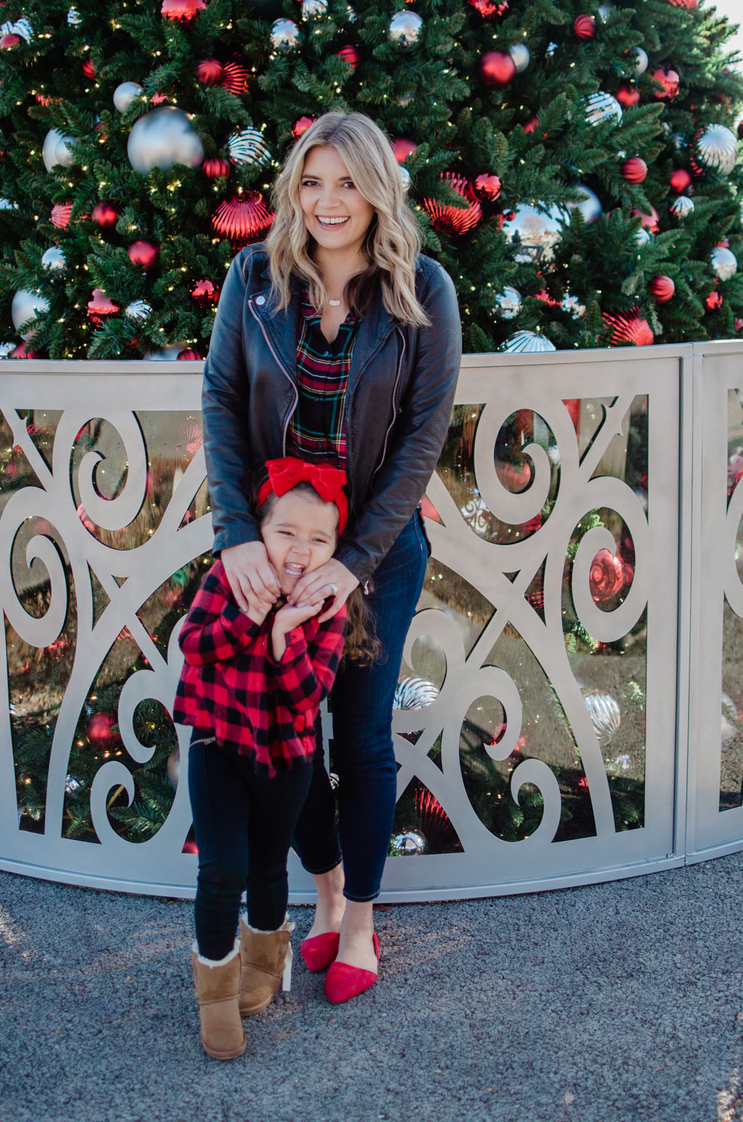 christmas mommy and me plaid outfit | bylaurenm.com