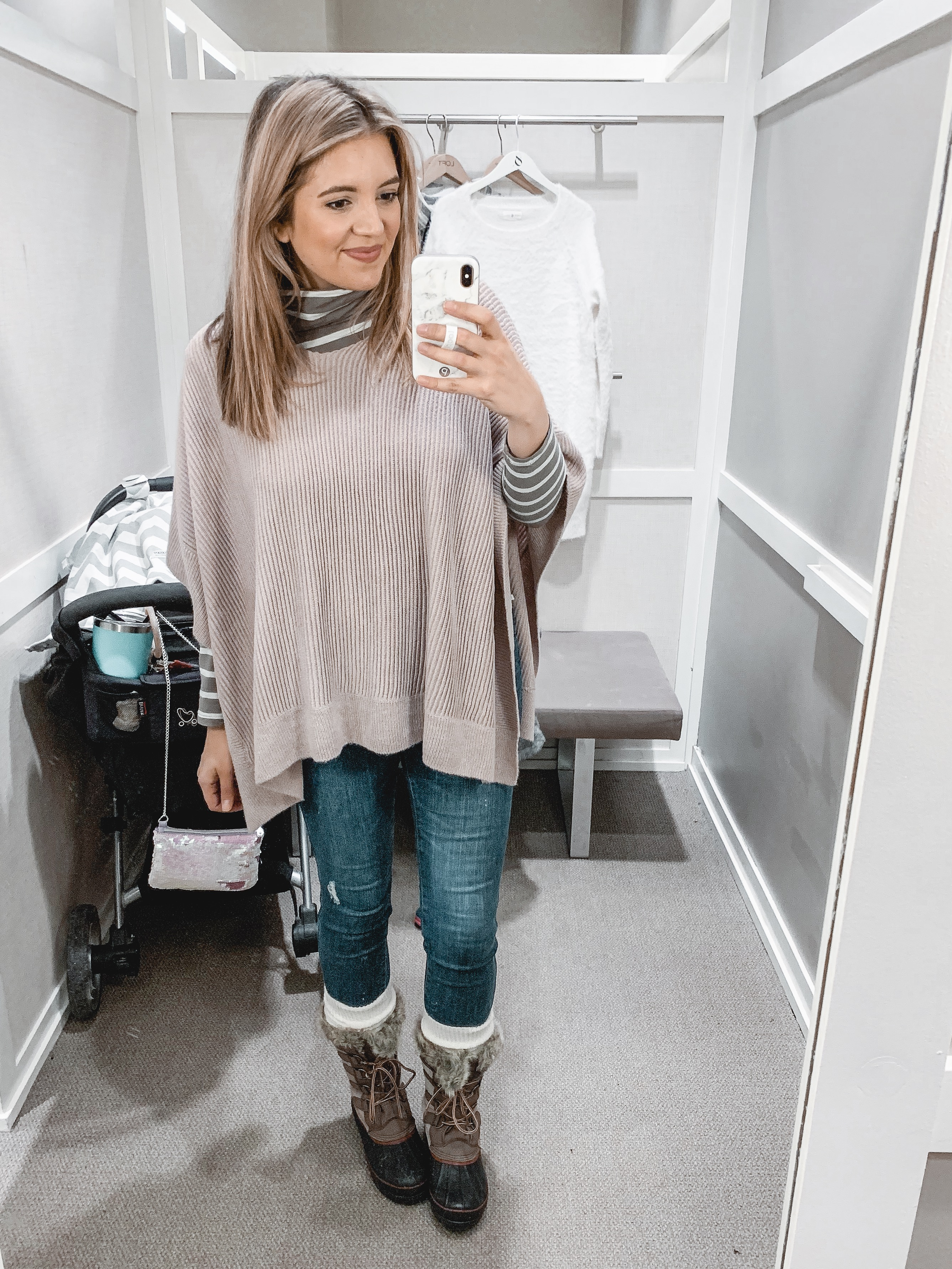 December Loft try-on holiday looks and cute winter outfits from Virginia style blogger Lauren Dix. | bylaurenm.com