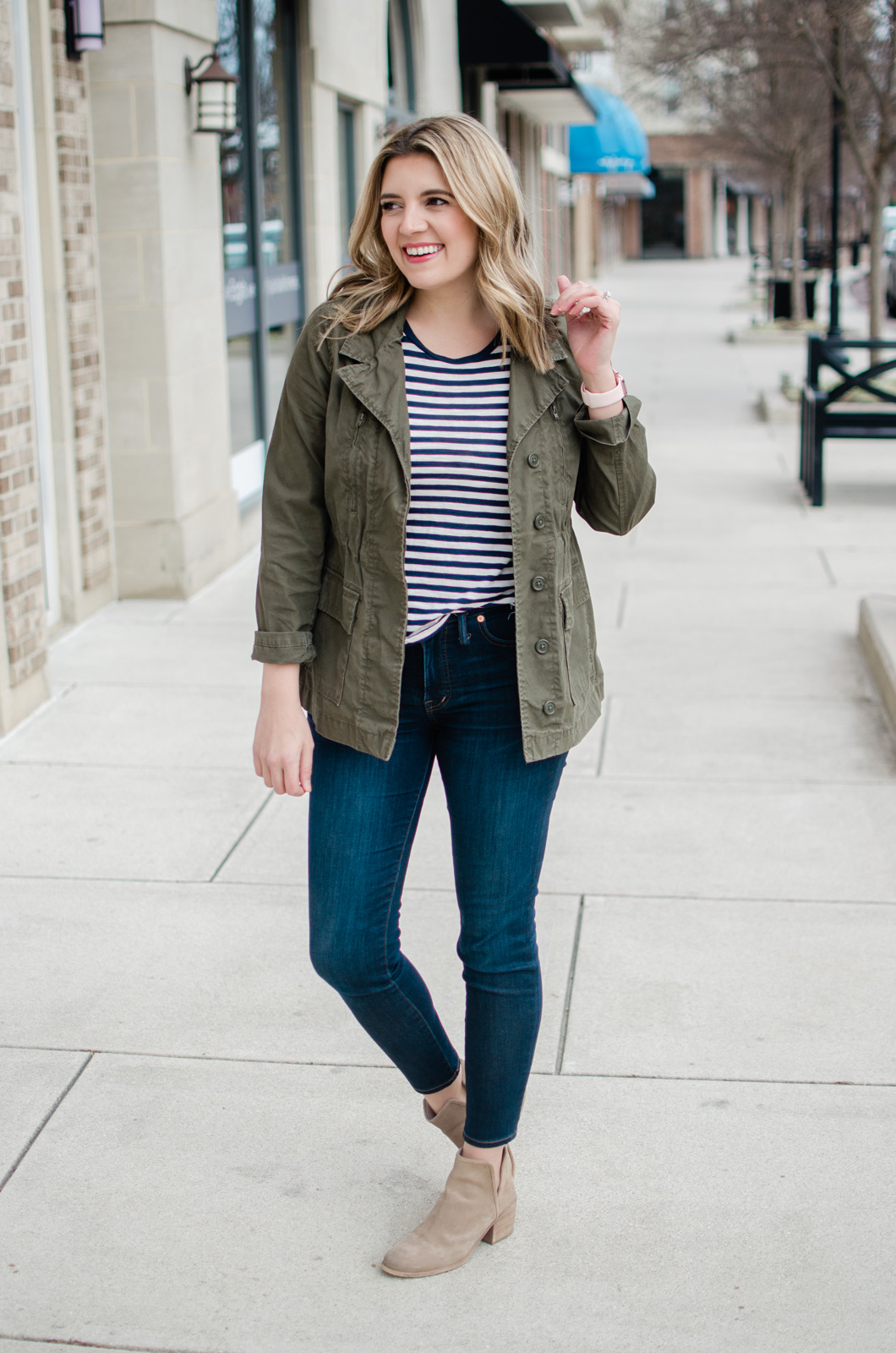 Richmond Virginia blogger, Lauren Dix, shares four striped top outfits. Learn how to take dark wash denim and a striped tee from work to the weekend!