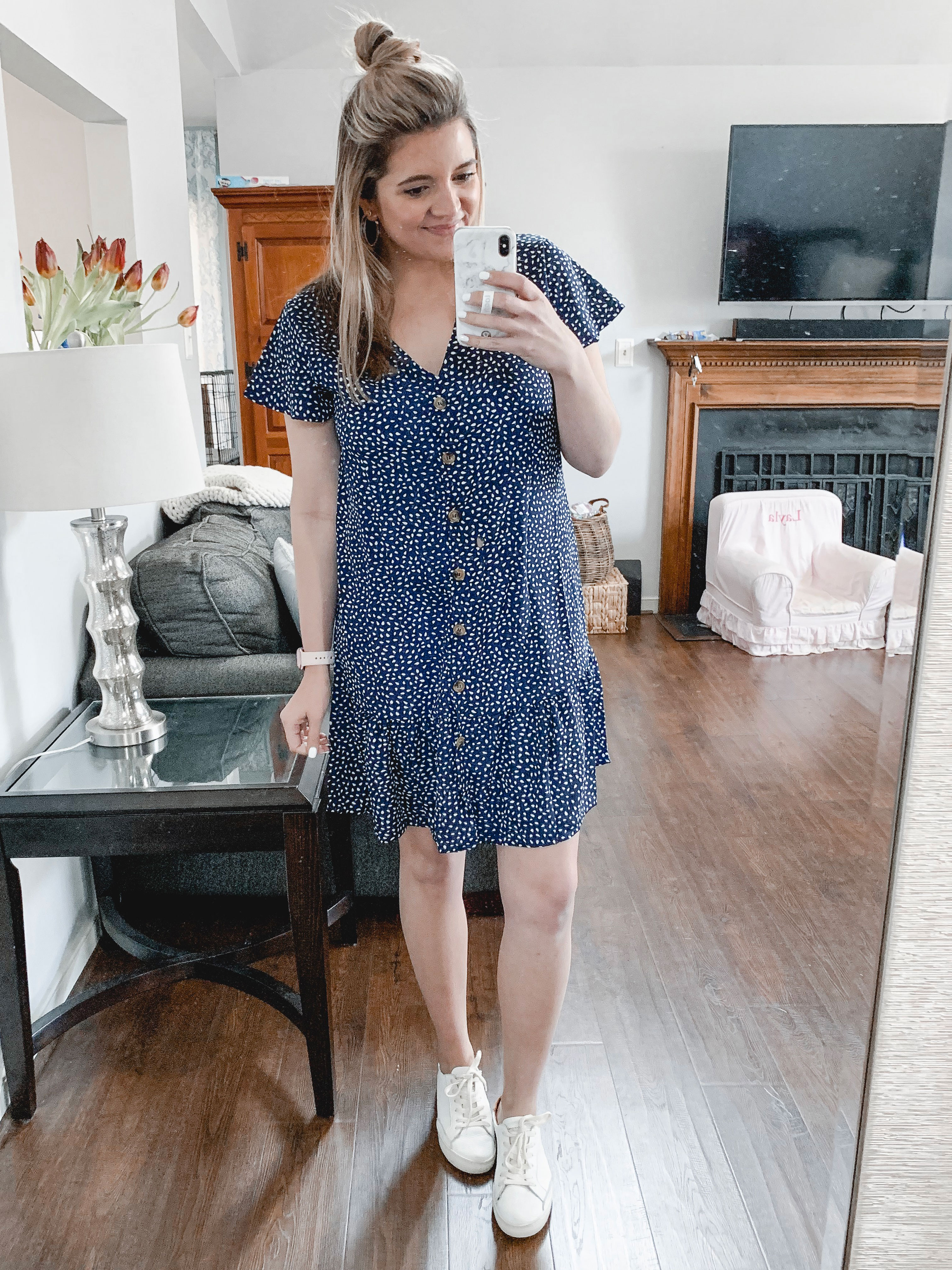 Richmond Virginia blogger, Lauren Dix, shares a try-on and review of Amazon Prime dresses and tops for spring! Everything is under $35!