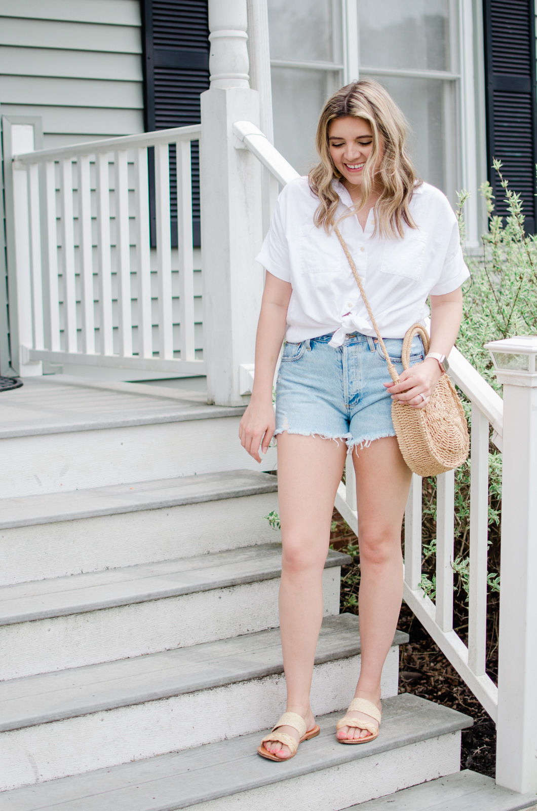 Virginia style blogger, Lauren Dix, shares five denim shorts outfits.