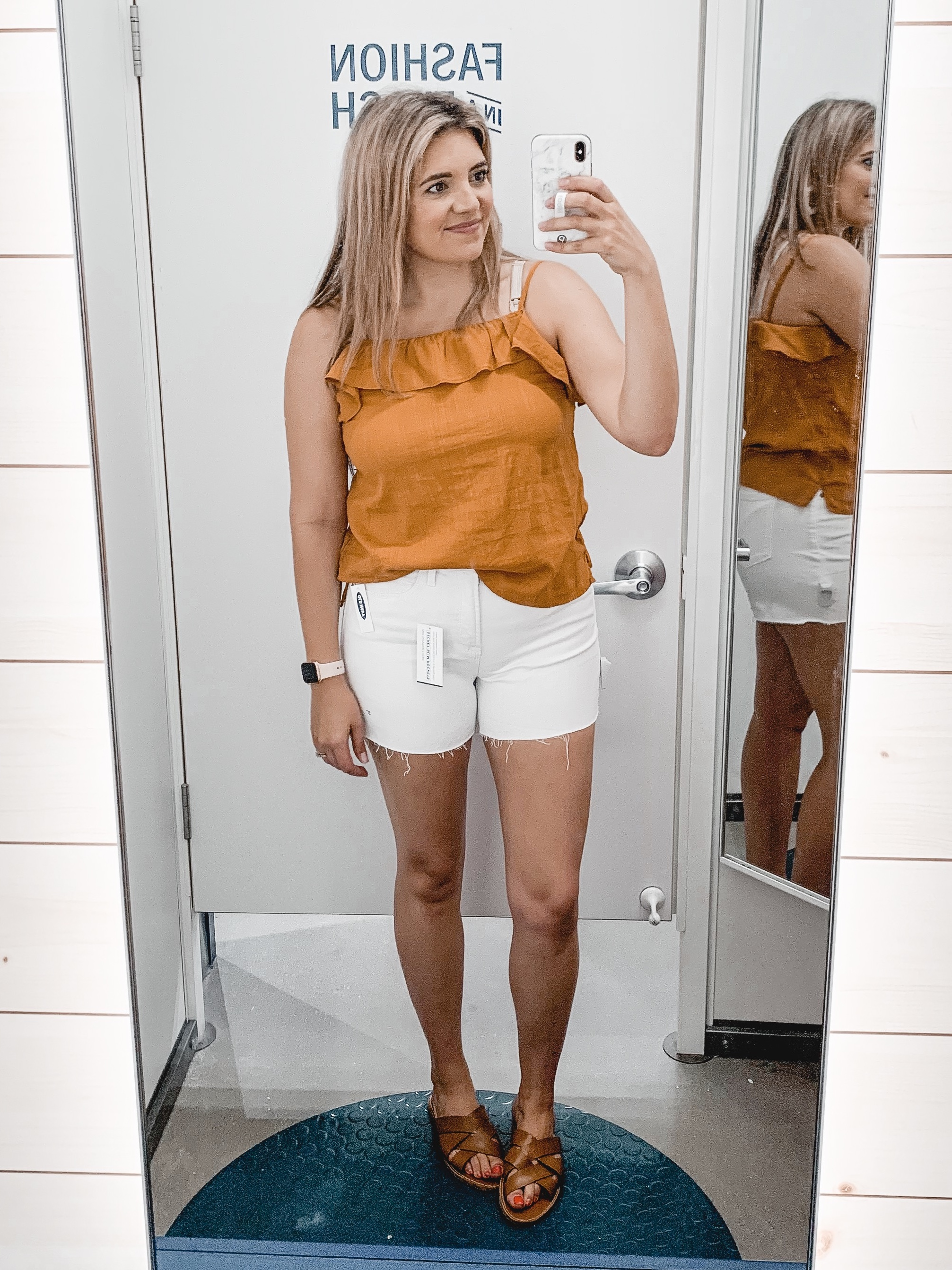 Virginia blogger Lauren Dix shares Old Navy outfits for summer in her Old Navy try on!