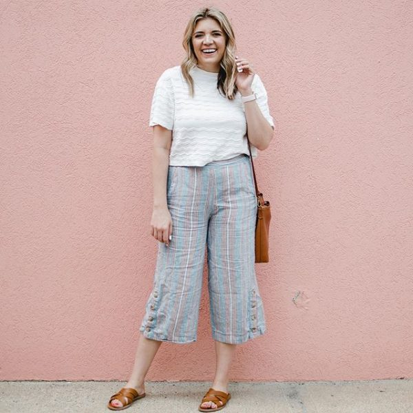 Madewell outfit with wide leg pants and a cropped scallop tee.