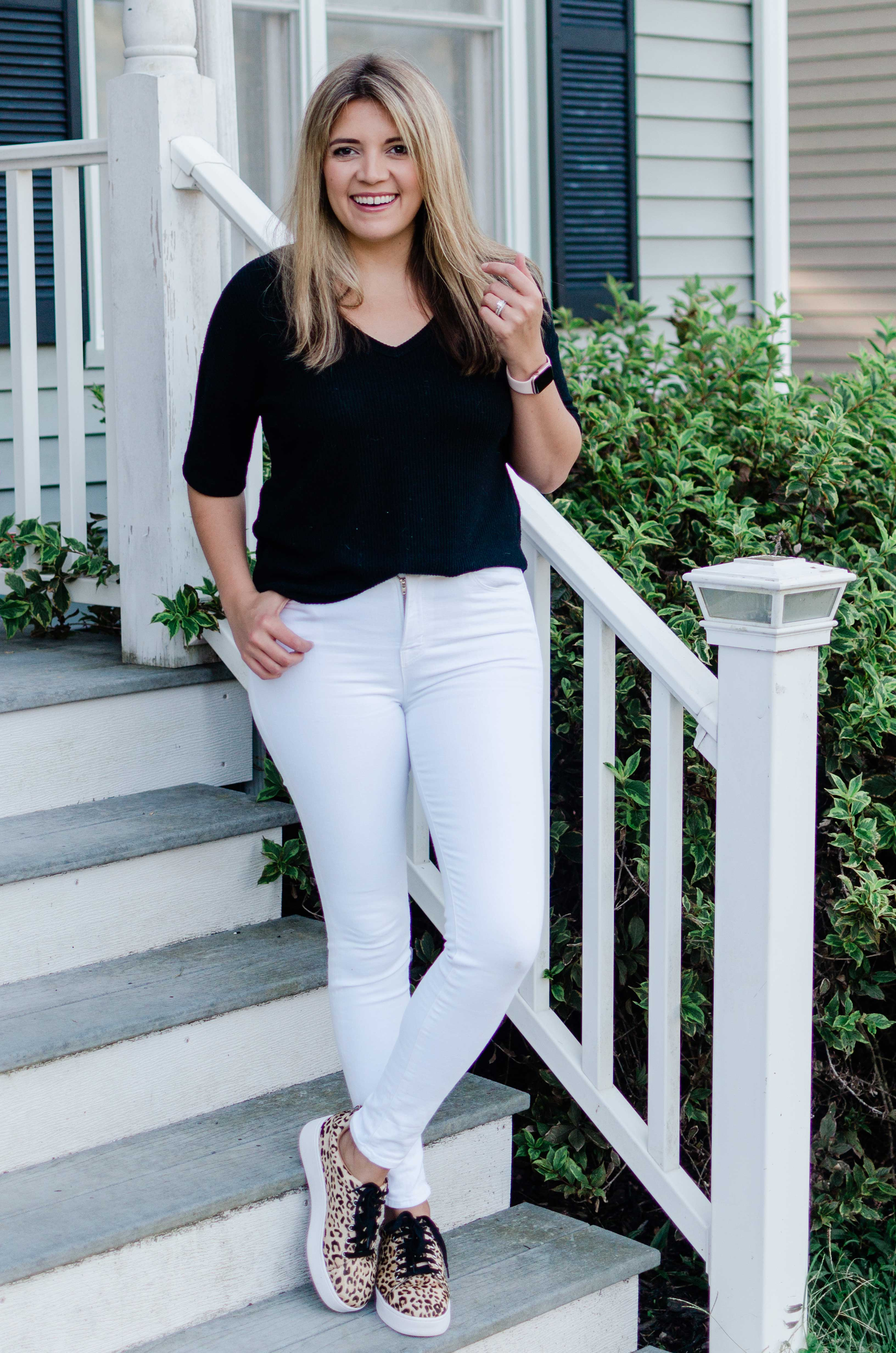 Virginia blogger, Lauren Dix, shares five white jeans outfits for fall with tips to achieve the look with items already in your closet!