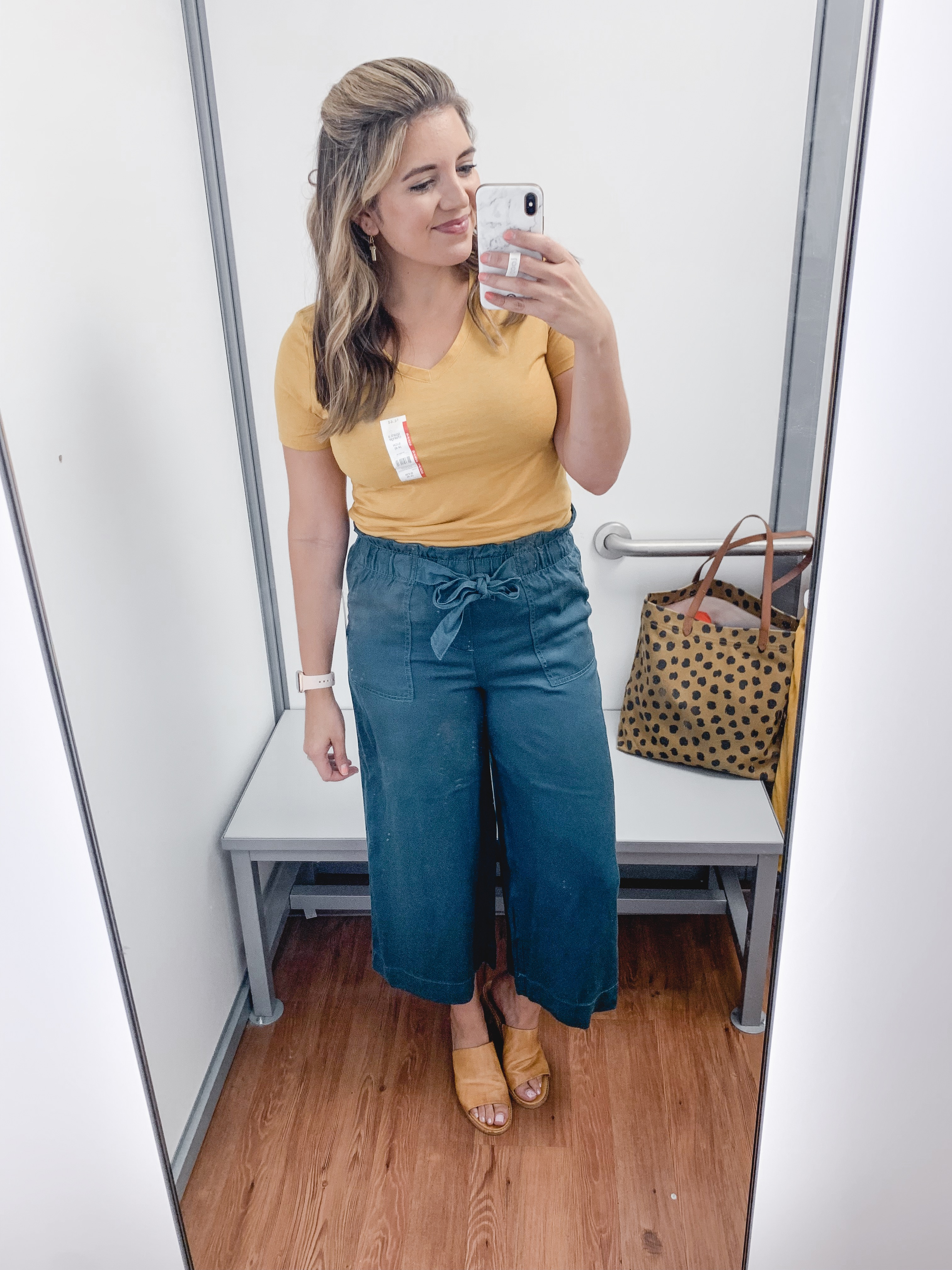 Affordable style blogger, Lauren Dix, shares over ten of the best Walmart women's clothing finds for fall 2019.