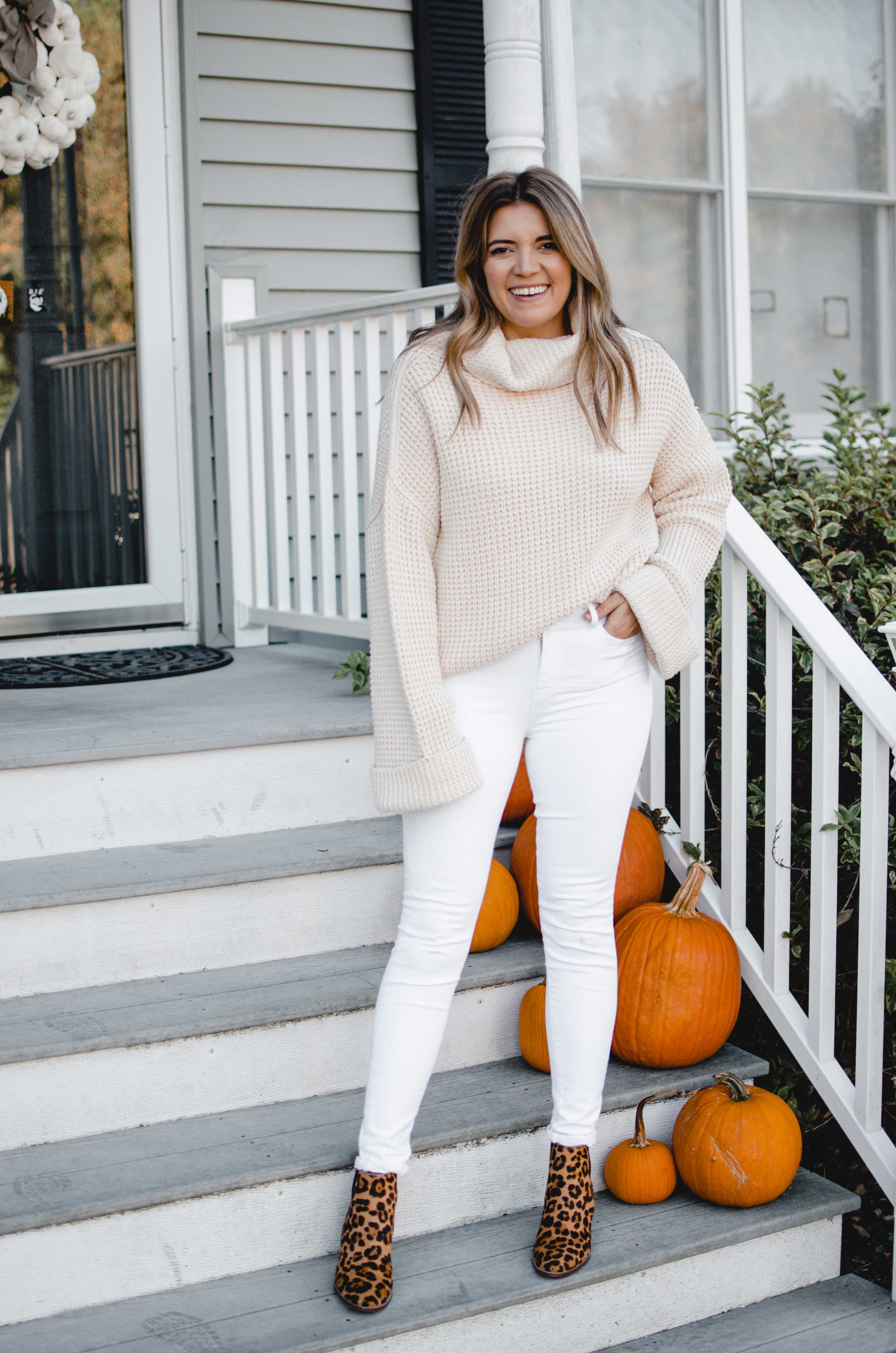 Virginia blogger, Lauren Dix, shares six leopard booties outfits for fall and winter.
