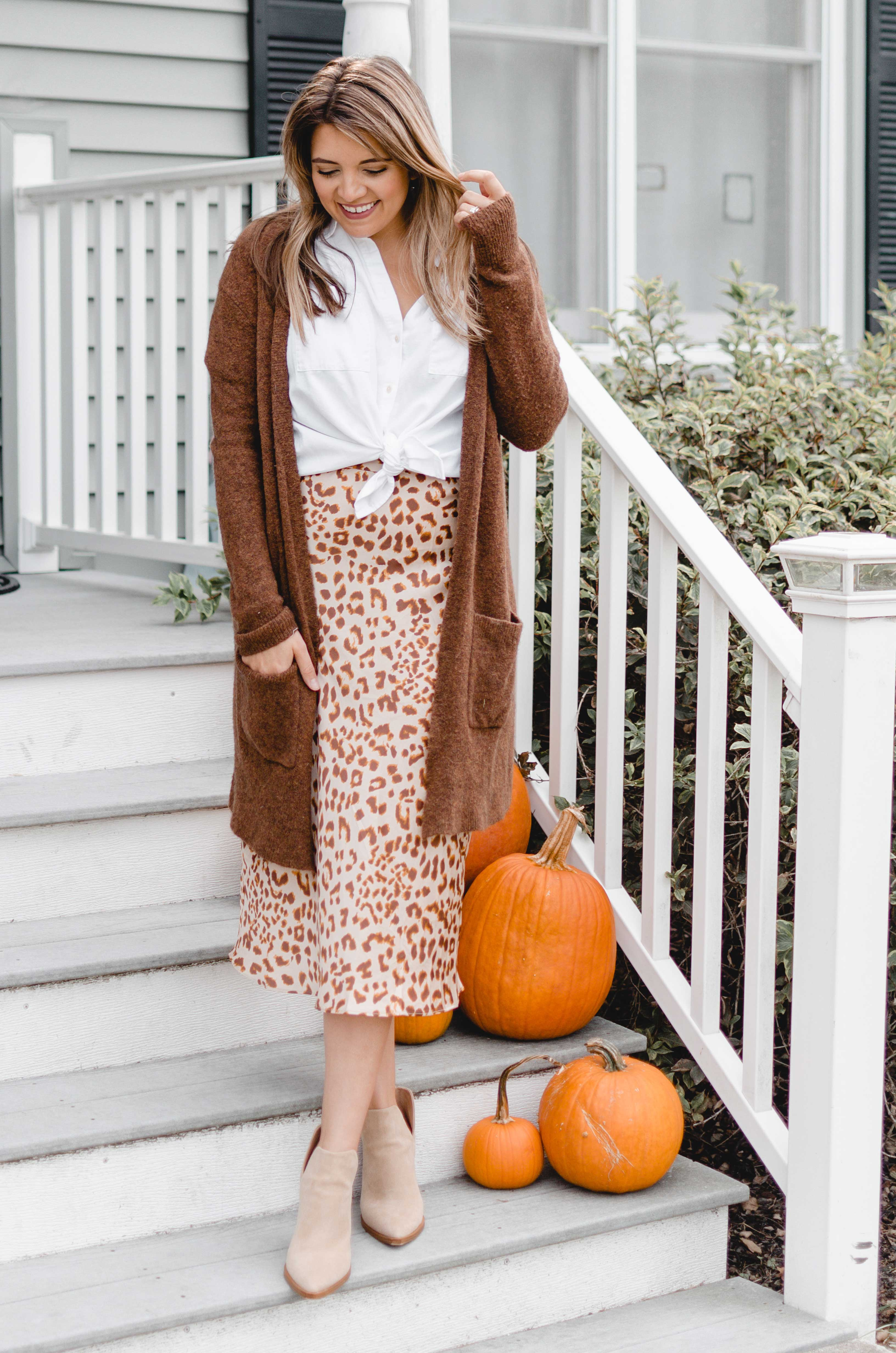 Virginia blogger, Lauren Dix, shares five ways to wear a leopard slip skirt for fall!