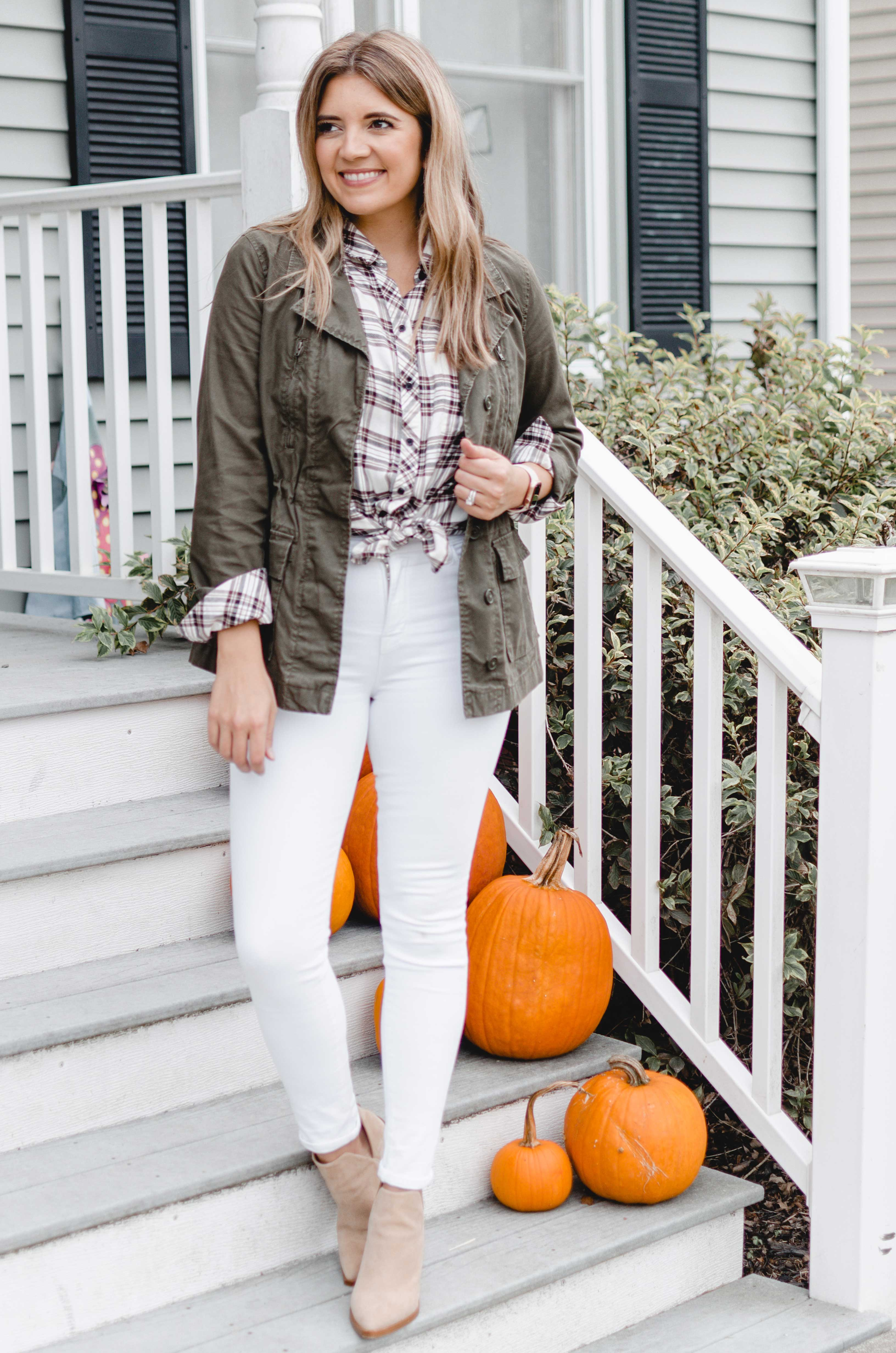 Virginia blogger, Lauren Dix, shares seven utility jacket outfits for fall! See all the ways to wear your cargo jacket dressed up or down!