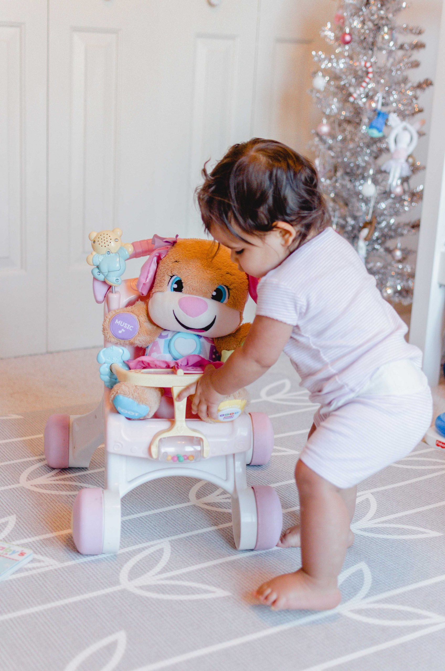 The ultimate gift guide for baby, including our family's favorite baby gift ideas from newborn to 12 months old!