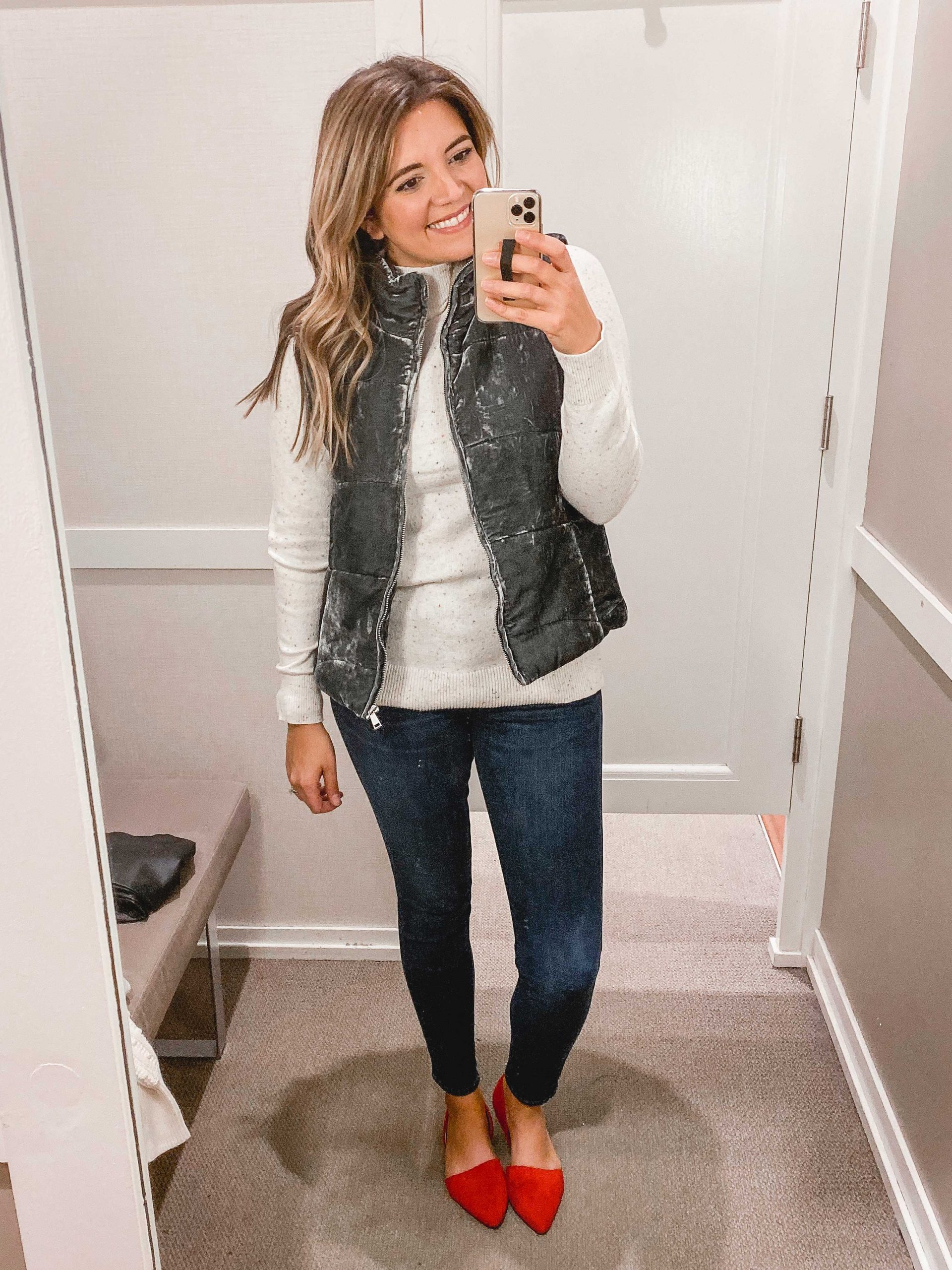 Virginia blogger, Lauren Dix, shares over 10 of her favorite winter Loft clothing finds in this winter loft try on session!