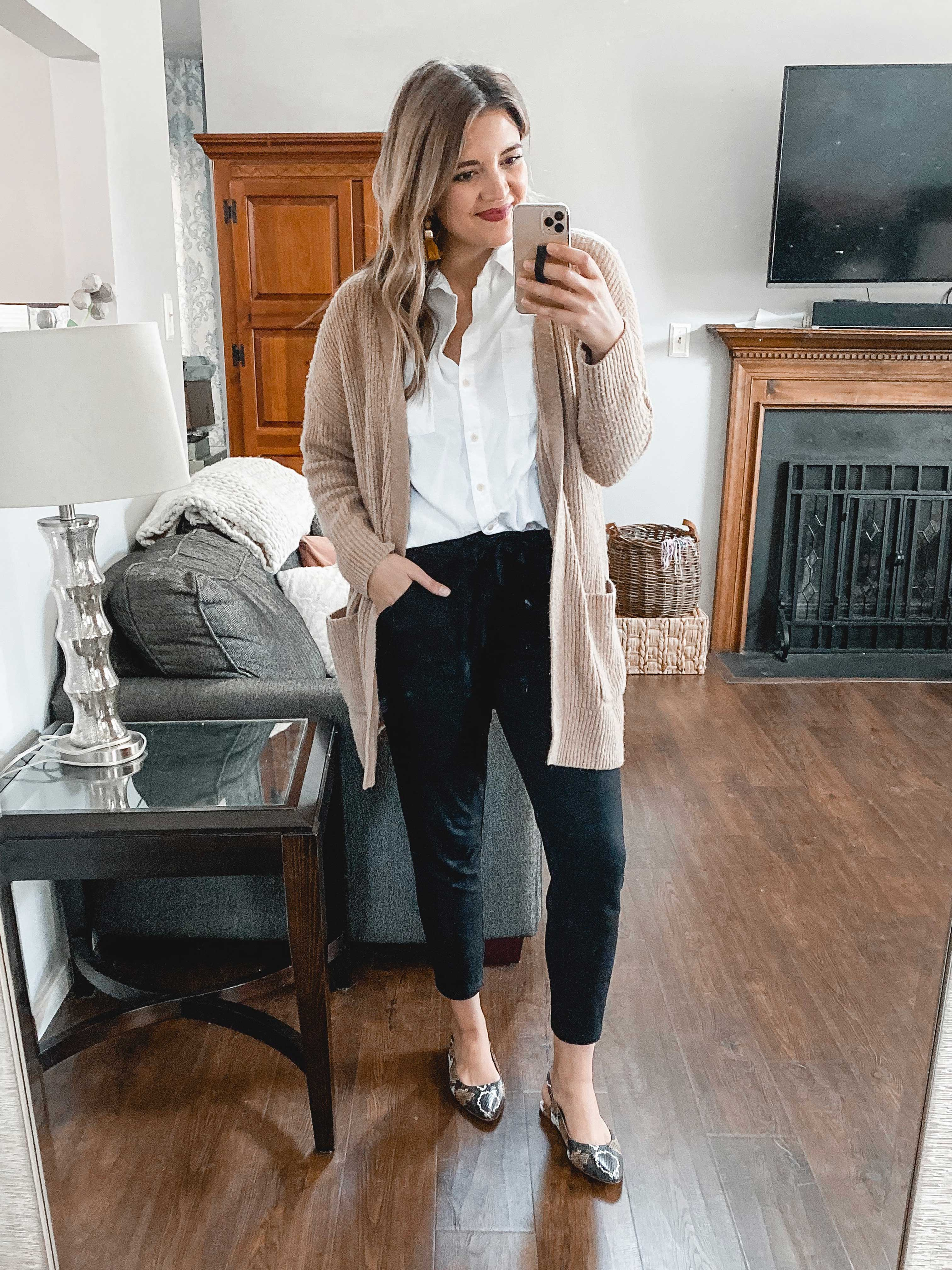 Virginia blogger, Lauren Dix, shares six jogger pants outfits for winter and fall! See all the ways to wear joggers dressed up or down!