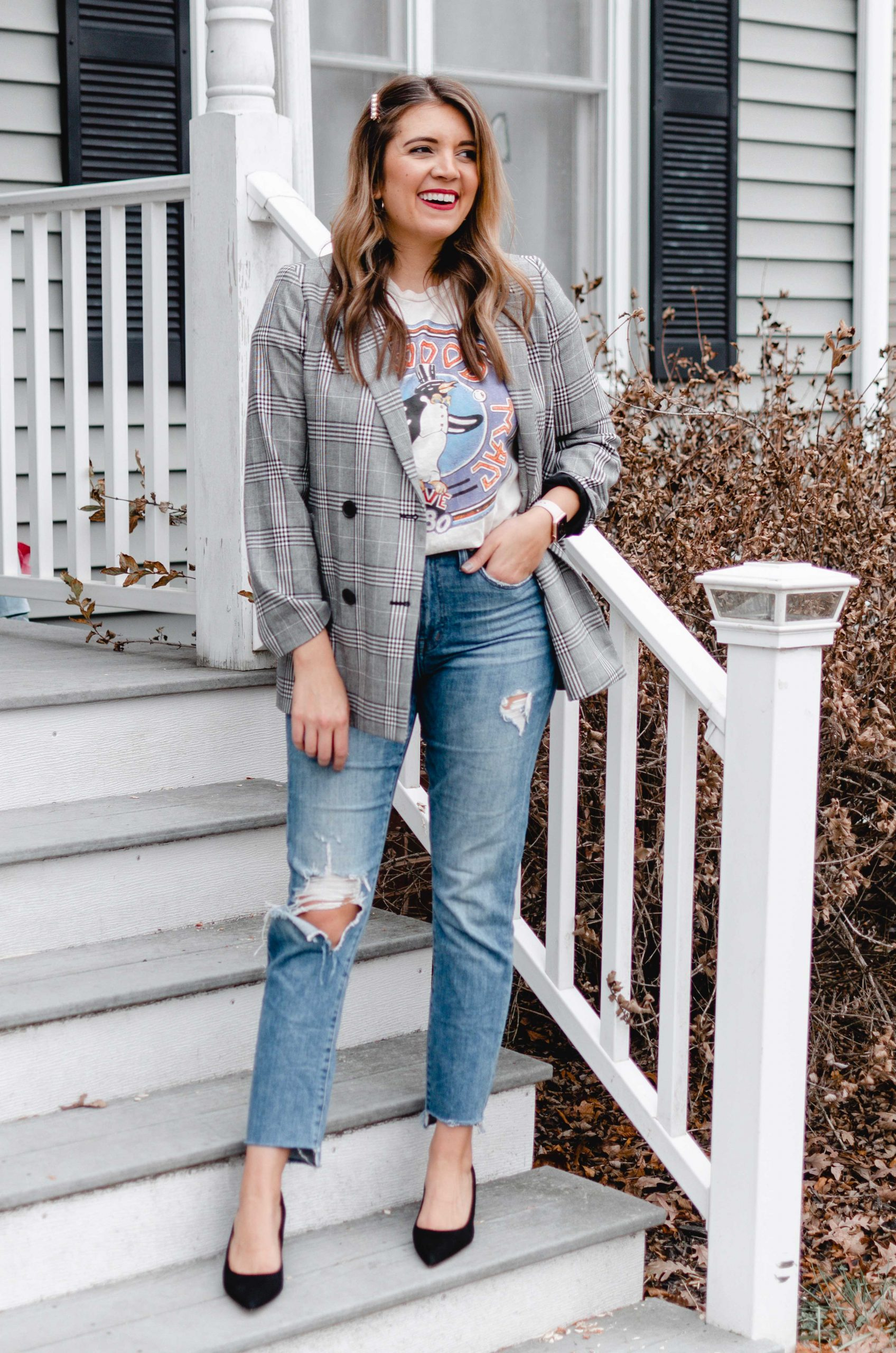Virginia blogger, Lauren Dix, shares four winter graphic tee outfits.