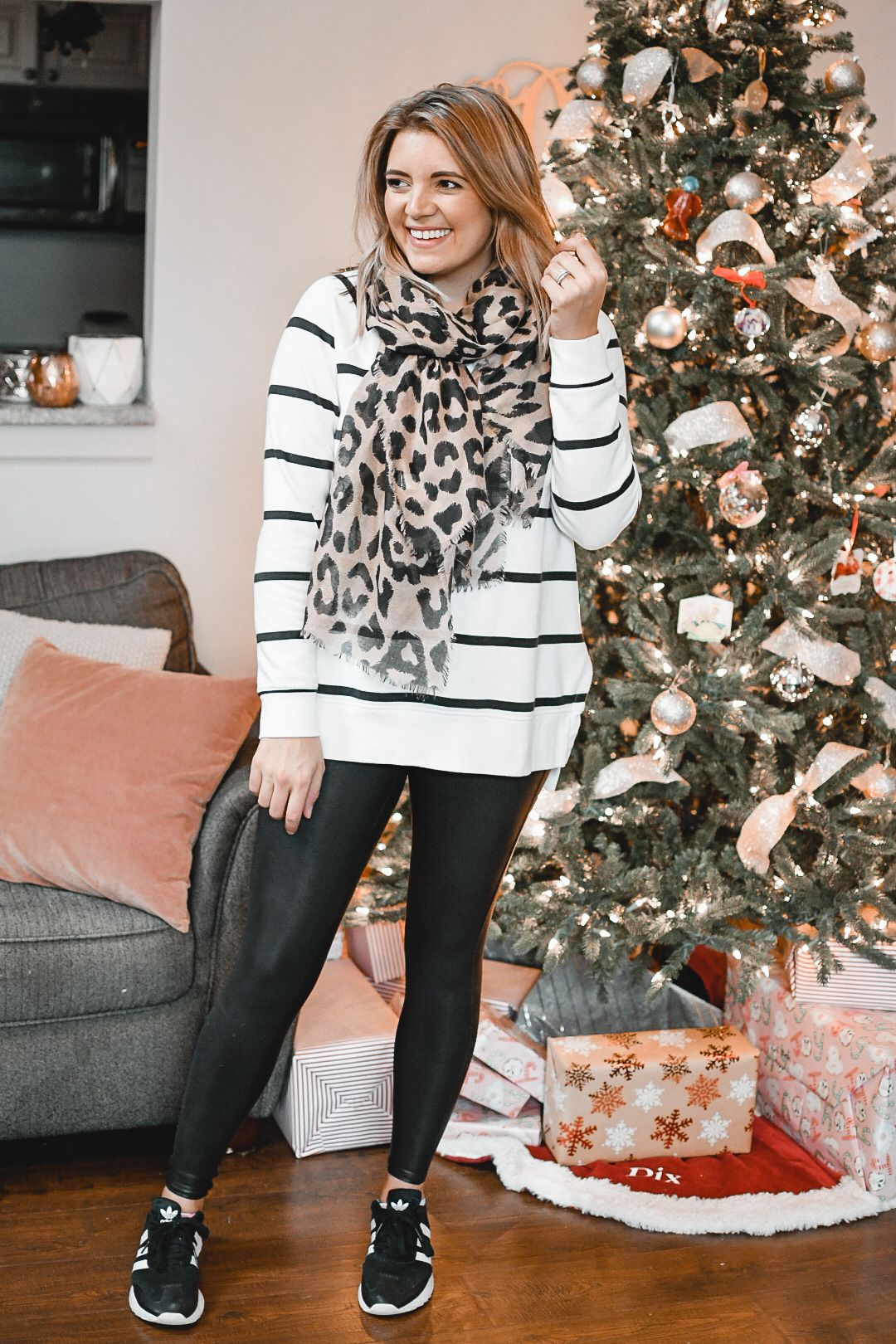 Virginia blogger, Lauren Dix, shares eight Spanx faux leather leggings outfits for winter! From casual to dressy leggings outfits, see all the winter leggings outfits here!