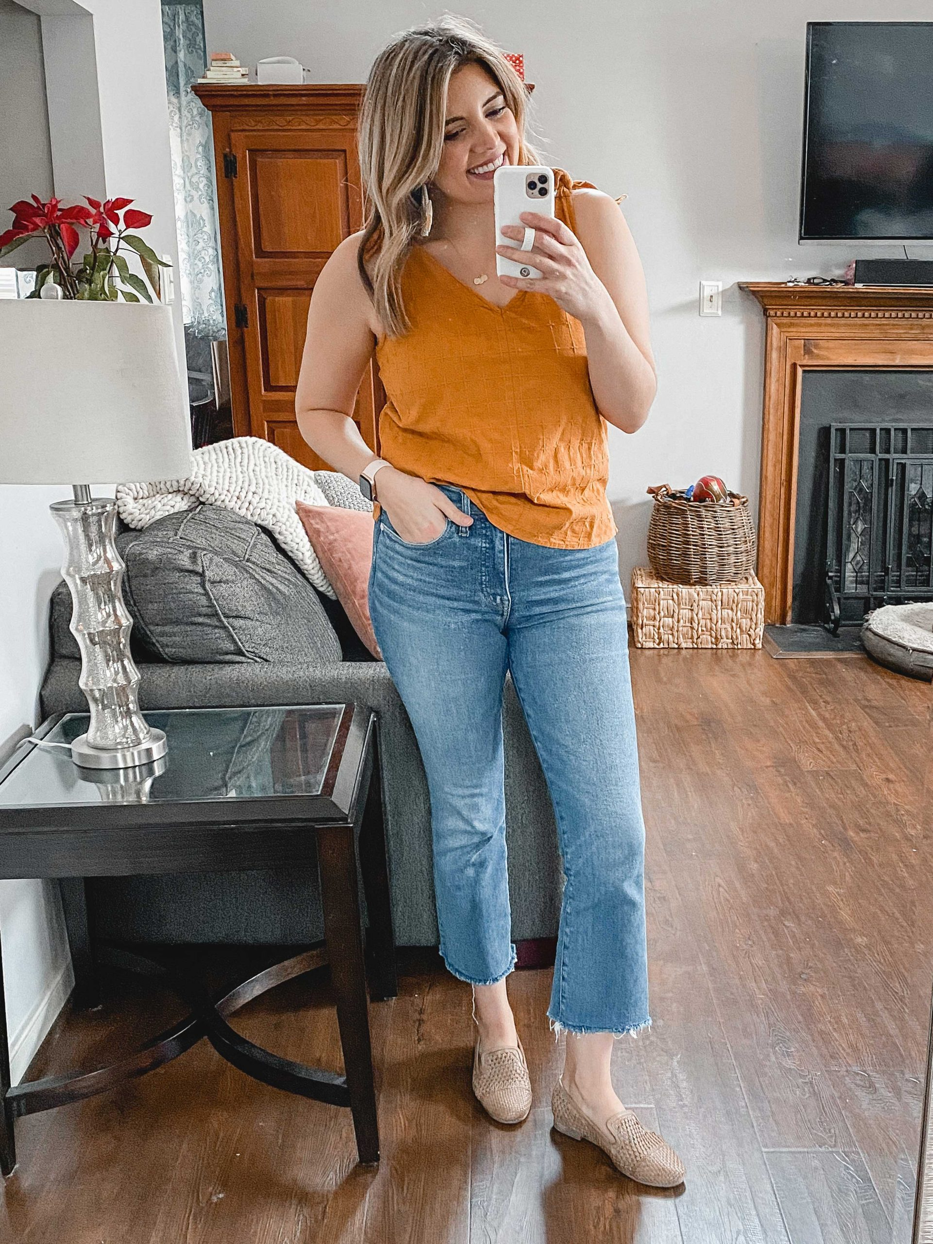 Virginia blogger, Lauren Dix, shares her favorite Amazon vacation finds! Amazon dresses, sandals, coverups, and more!