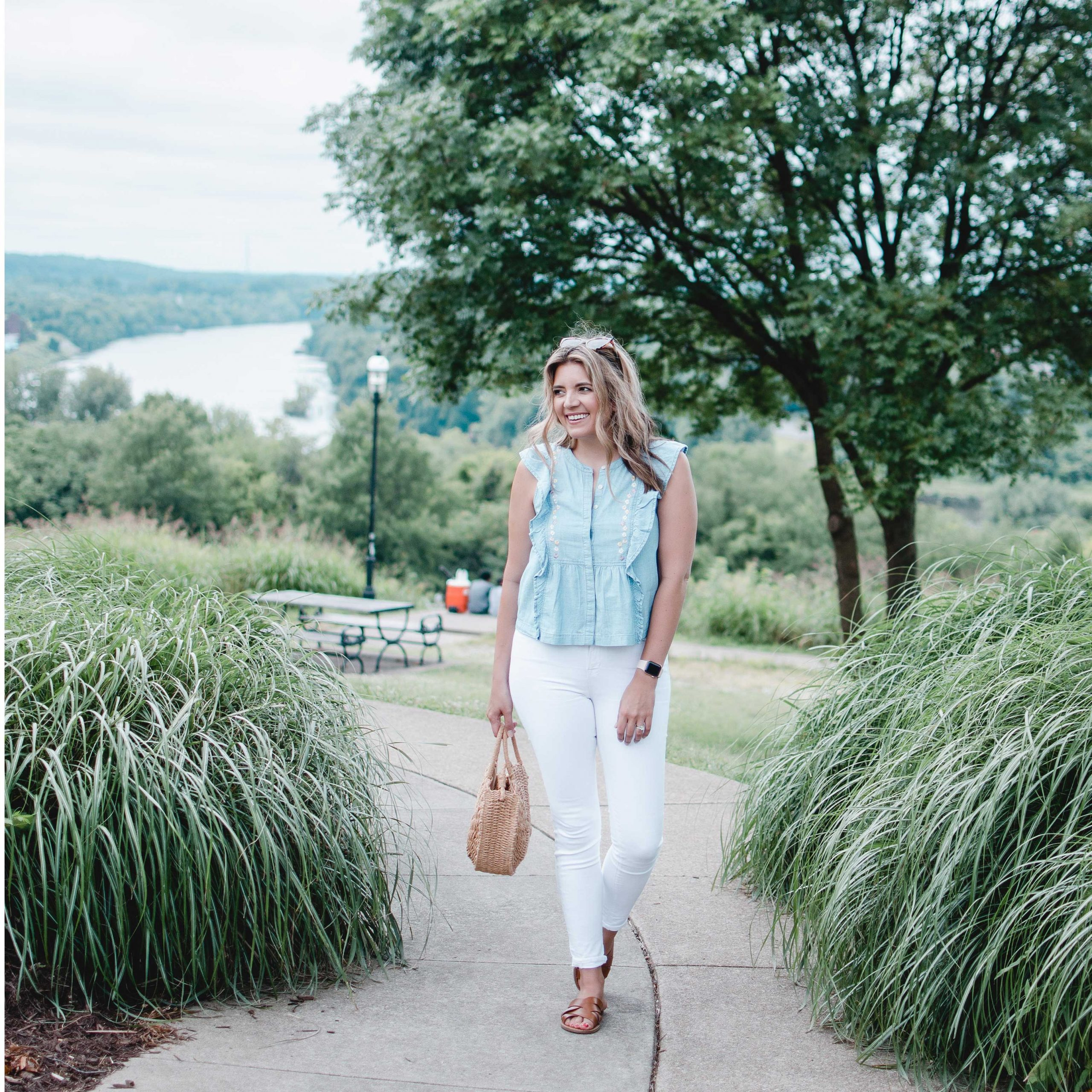 RVA blogger, Lauren Dix, shares all the best Instagram Spots in Richmond, VA! Libby Hill Park is one of the best for RVA city views, James River views, and more!
