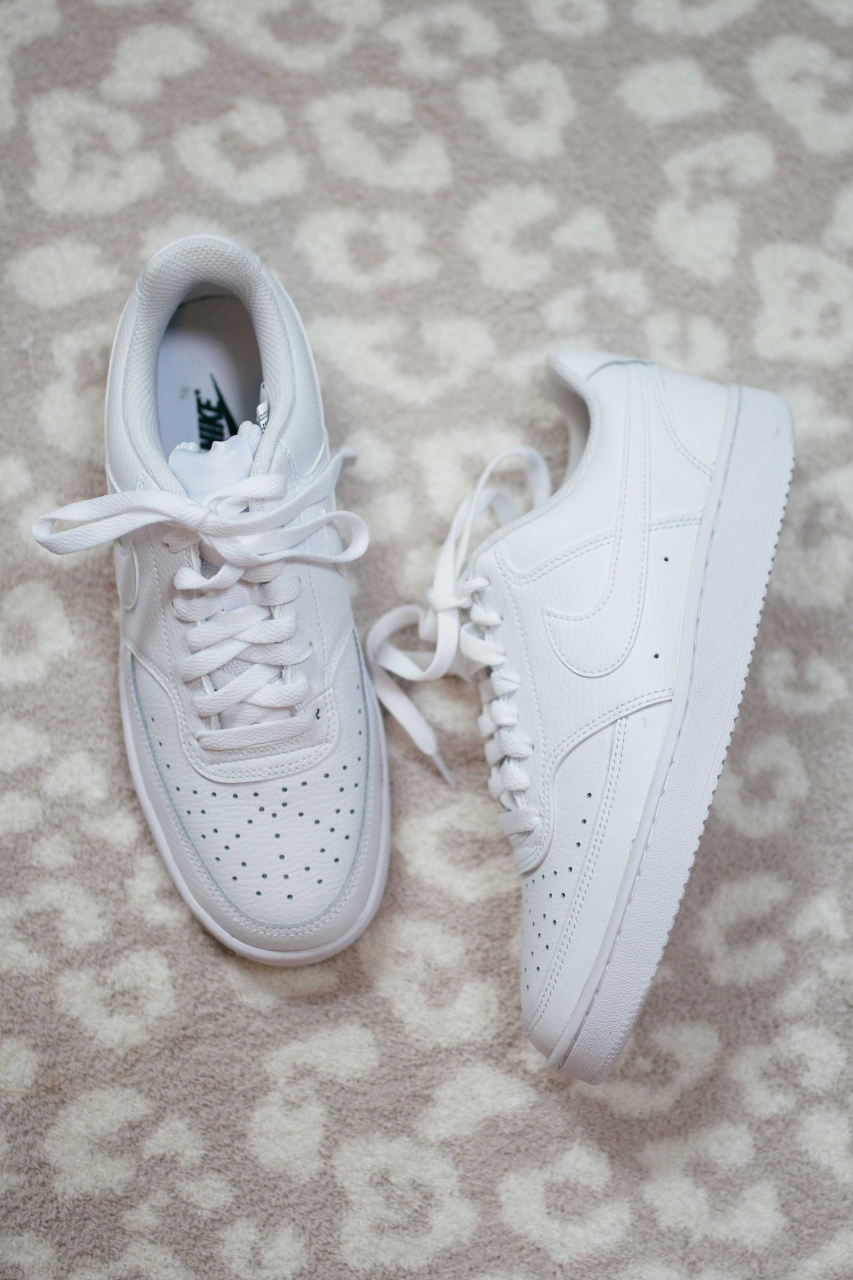 Virginia blogger, Lauren Dix, tries on 10 different pairs of white sneakers for the ultimate white sneaker review! The Nike Court Vision Sneaker pictured here are included!