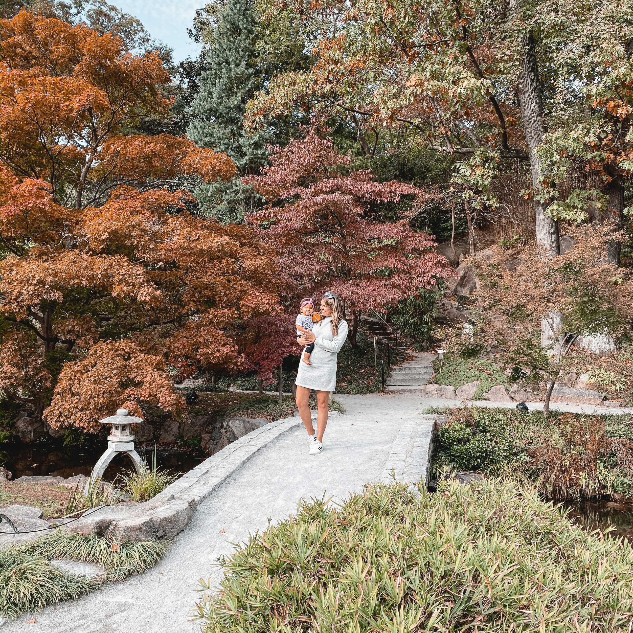 RVA blogger, Lauren Dix, shares all the best Instagram Spots in Richmond, VA! One of the best RVA photo spots is Maymont Park!