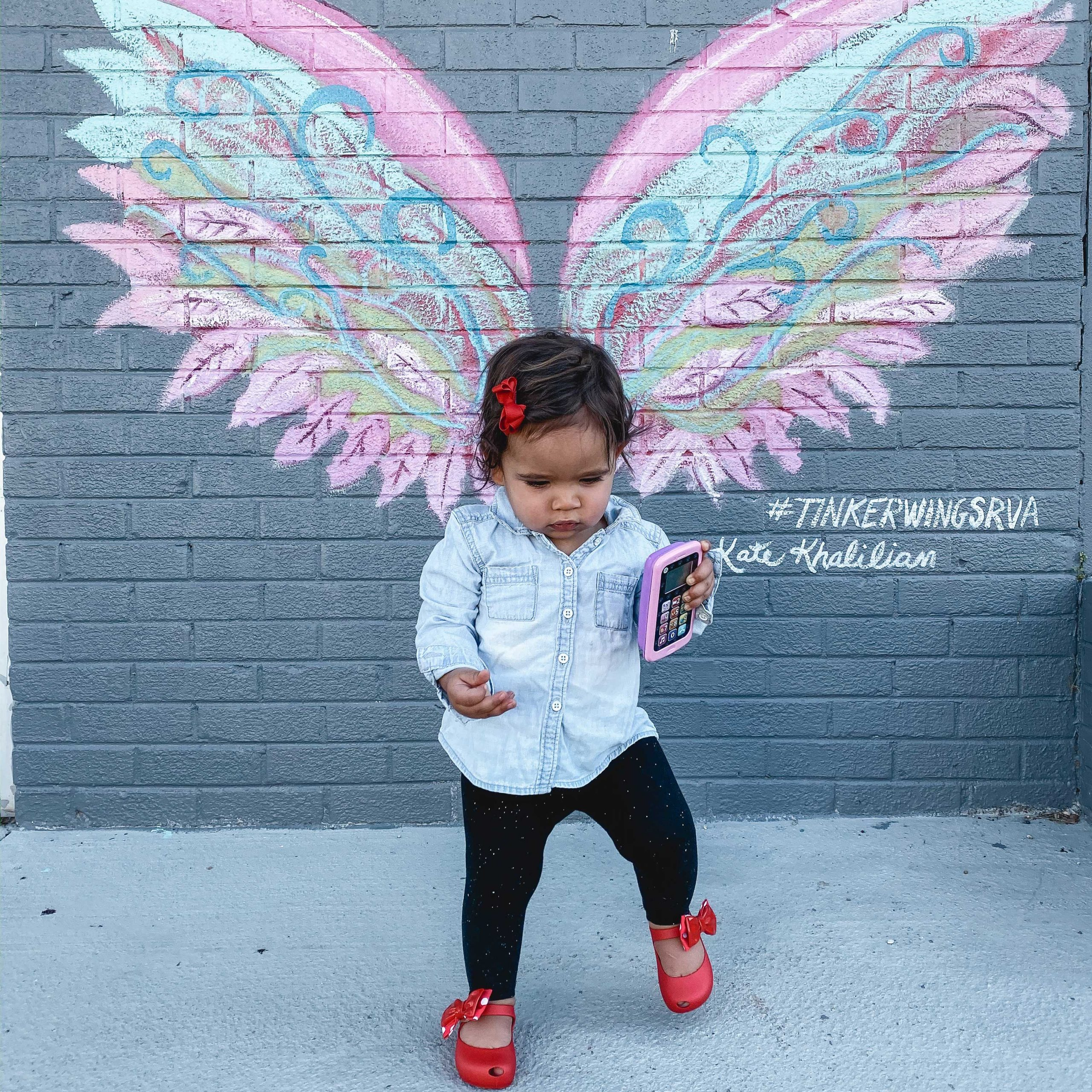 RVA blogger, Lauren Dix, shares all the best Instagram Spots in Richmond, VA! RVA wings mural is at Tinkers!