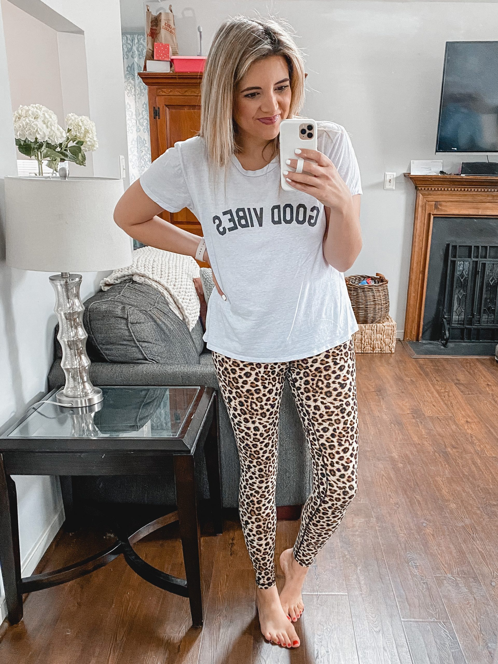 Virginia blogger, Lauren Dix, shares over ten cozy outfits in her loungewear try on.