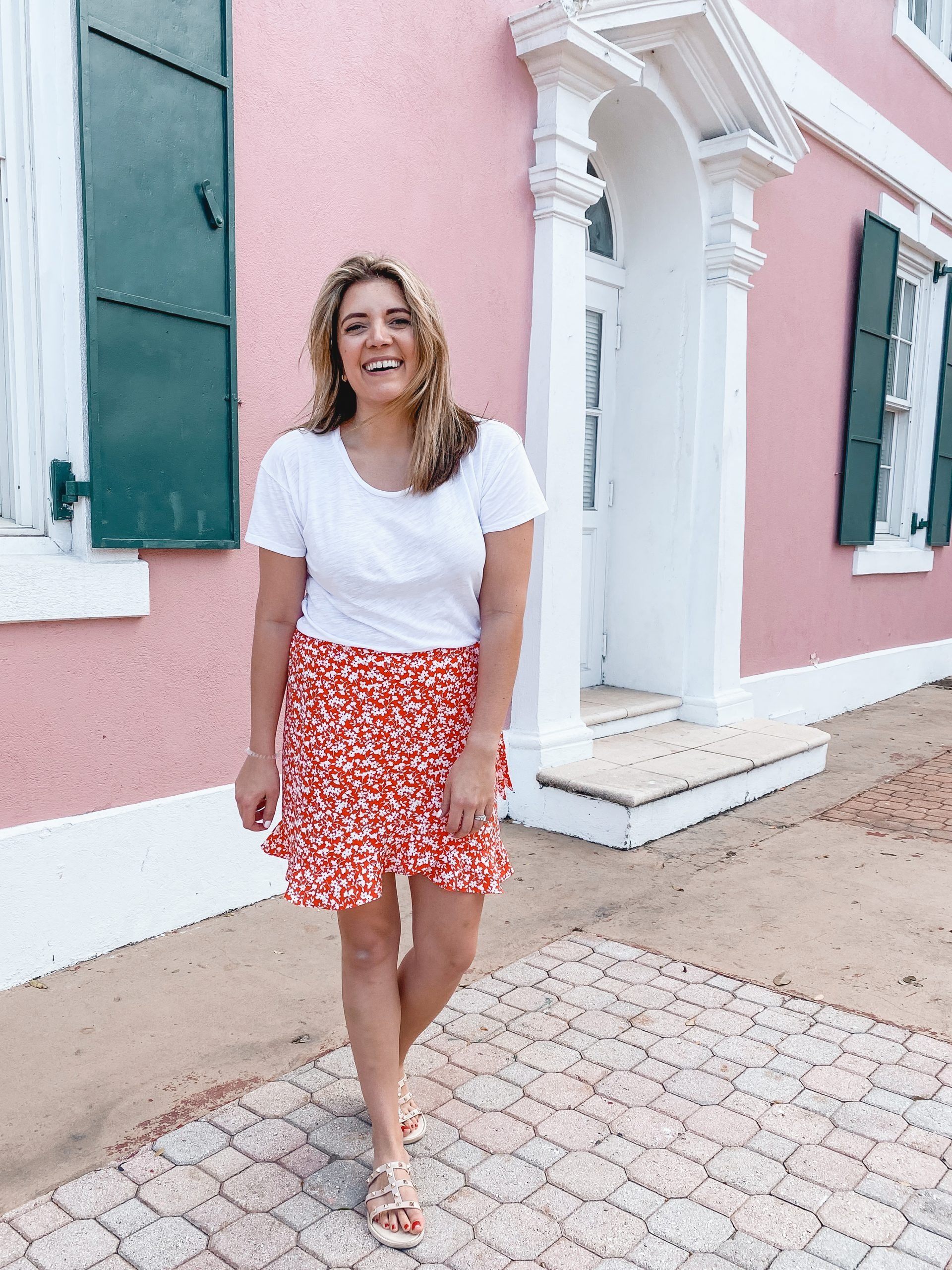 Virginia blogger, Lauren Dix, shares her Disney cruise outfits and 3 night Disney cruise packing list!