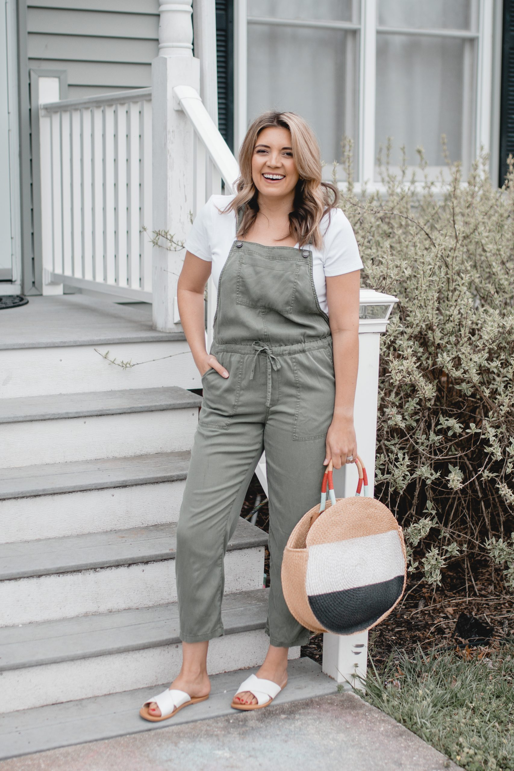Virginia blogger, Lauren Dix, shares soft overalls for spring!
