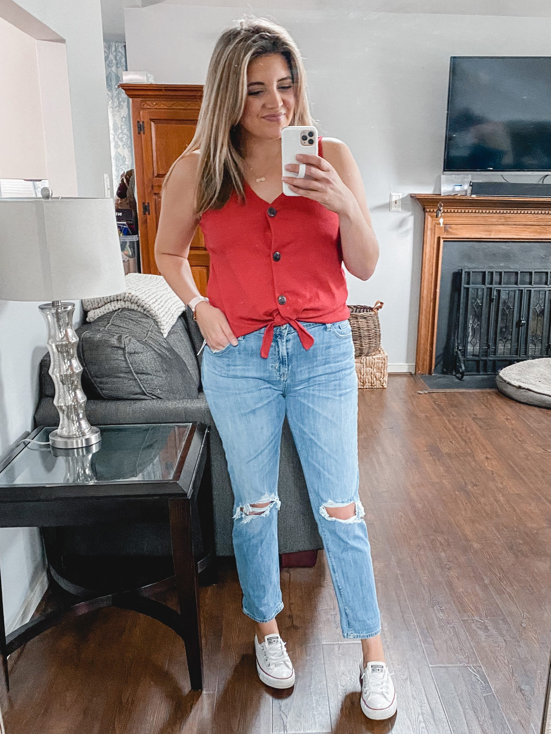 Virginia blogger, Lauren Dix, shares new Old Navy spring arrivals in her Old Navy try on.