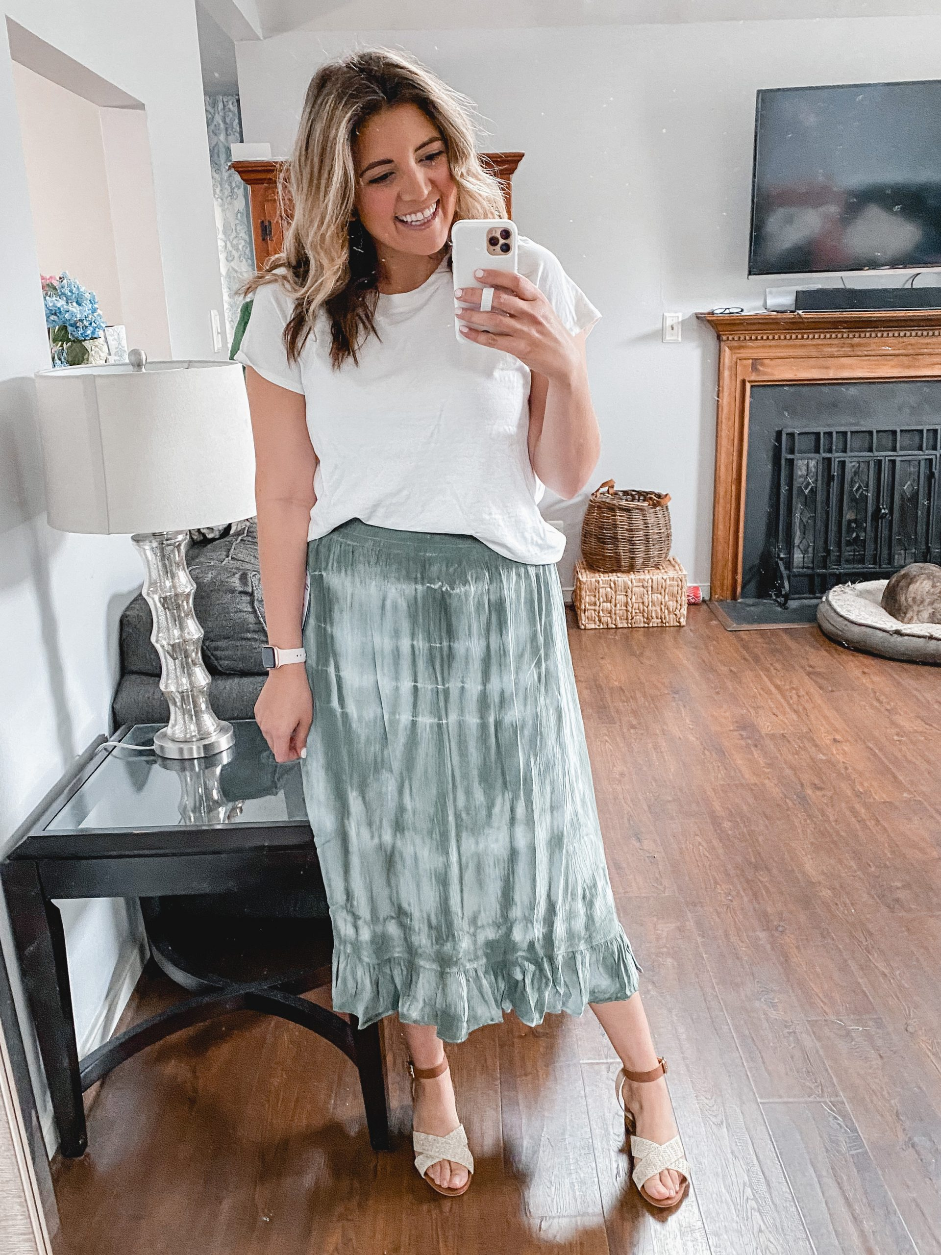 Virginia blogger, Lauren Dix, shares over 10 new Walmart fashion finds for spring and summer in her latest Walmart try on!