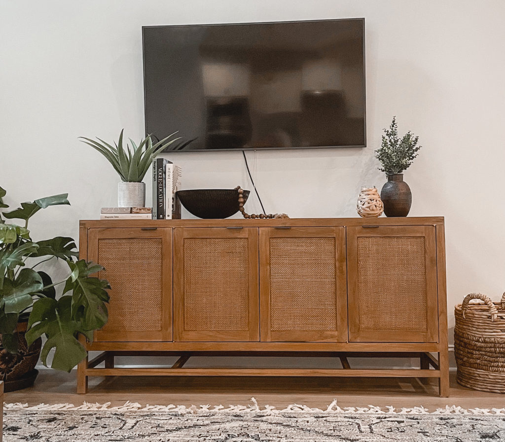 Virginia home blogger, Lauren Dix, shares her simple modern TV console table decor!