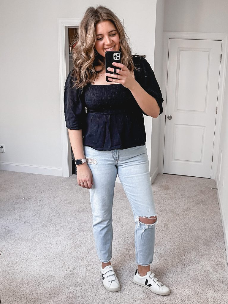 Virginia blogger, Lauren Dix, shares over ten new Abercrombie finds in her 2021 Abercrombie try on!