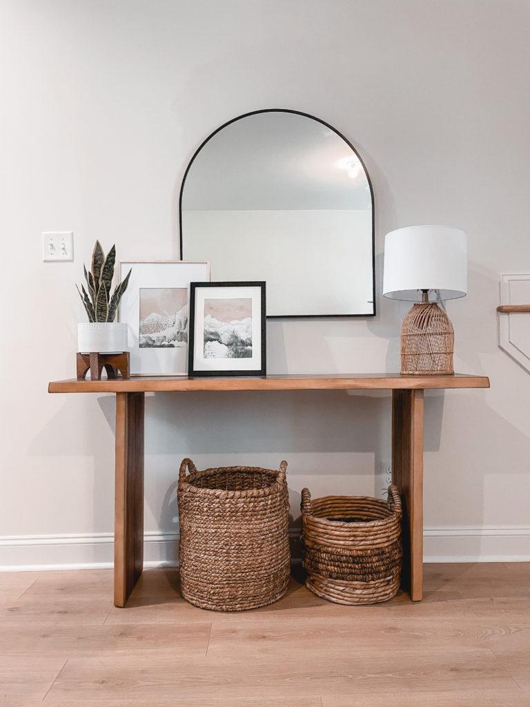 Virginia home blogger, Lauren Dix, shares her simple modern entryway console table decor!