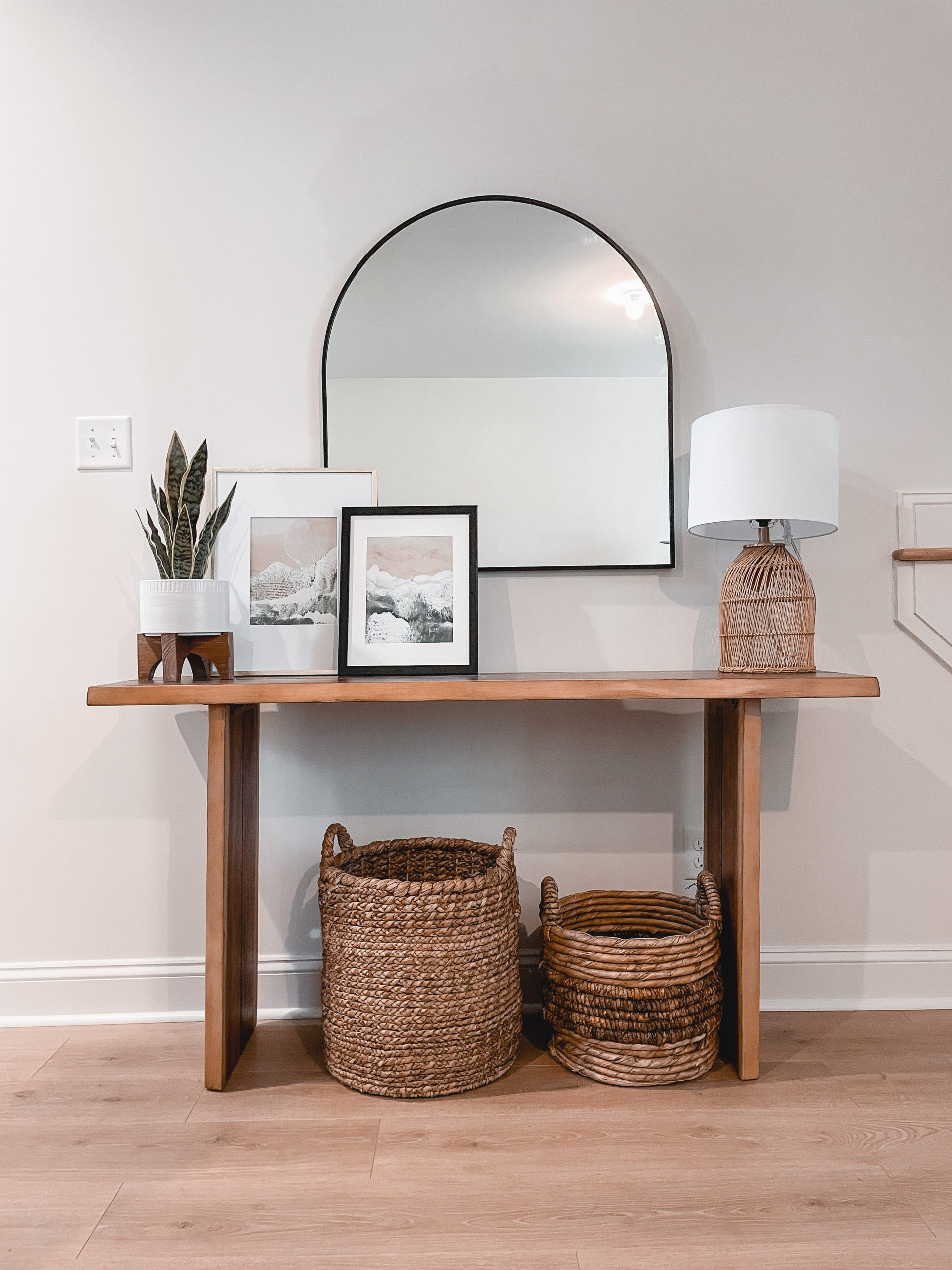 Virginia home blogger, Lauren Dix, shares her simple modern console table decor.