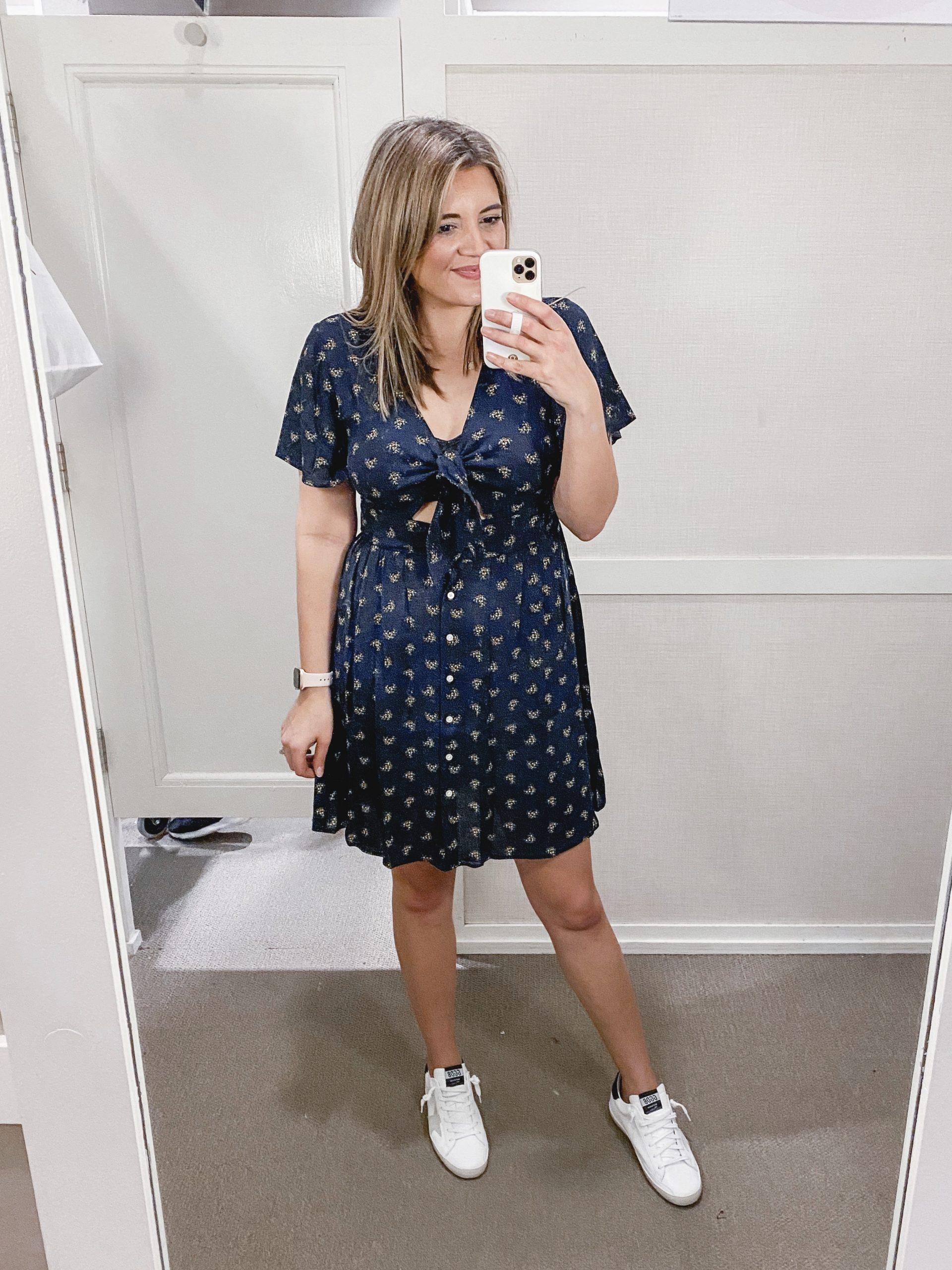 Virginia blogger, Lauren Dix, shares a Loft resort wear try on!
