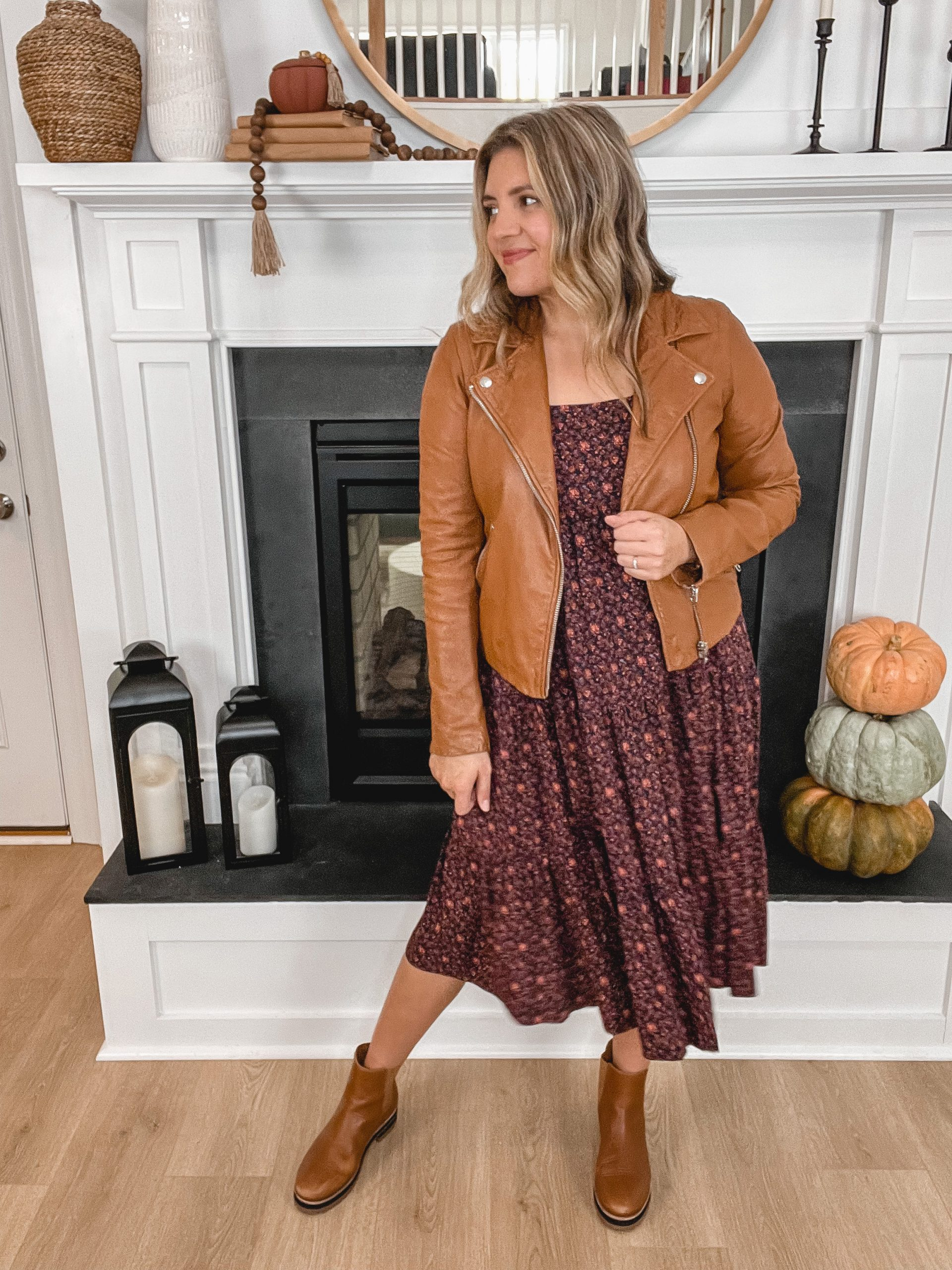 Virginia blogger, Lauren Dix, shares five lug sole chelsea boot outfits for fall and winter!